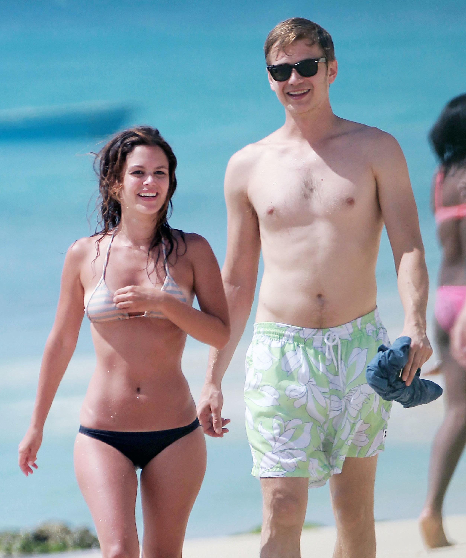 Rachel Bilson and Hayden Christensen beach