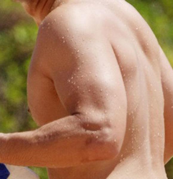 Josh Hopkins beach body