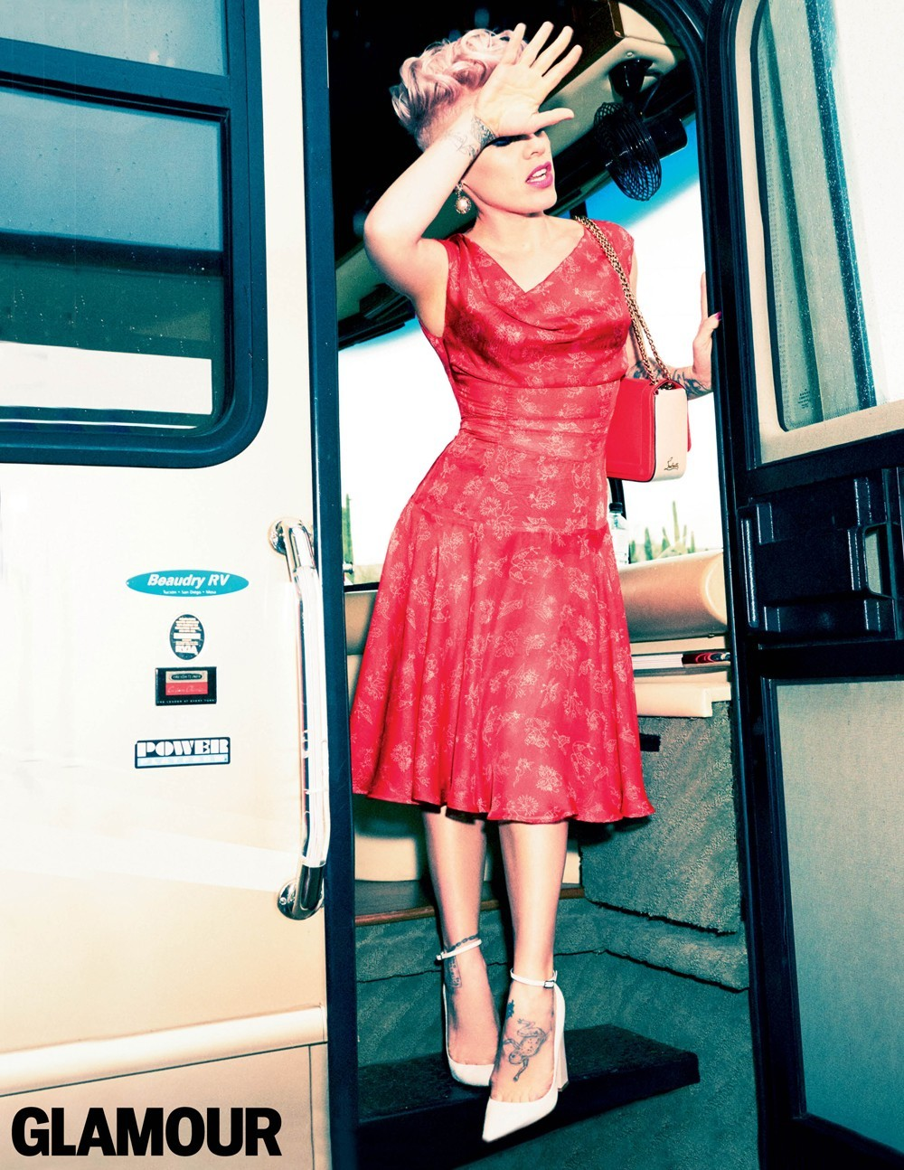 Pink Glamour red dress bus