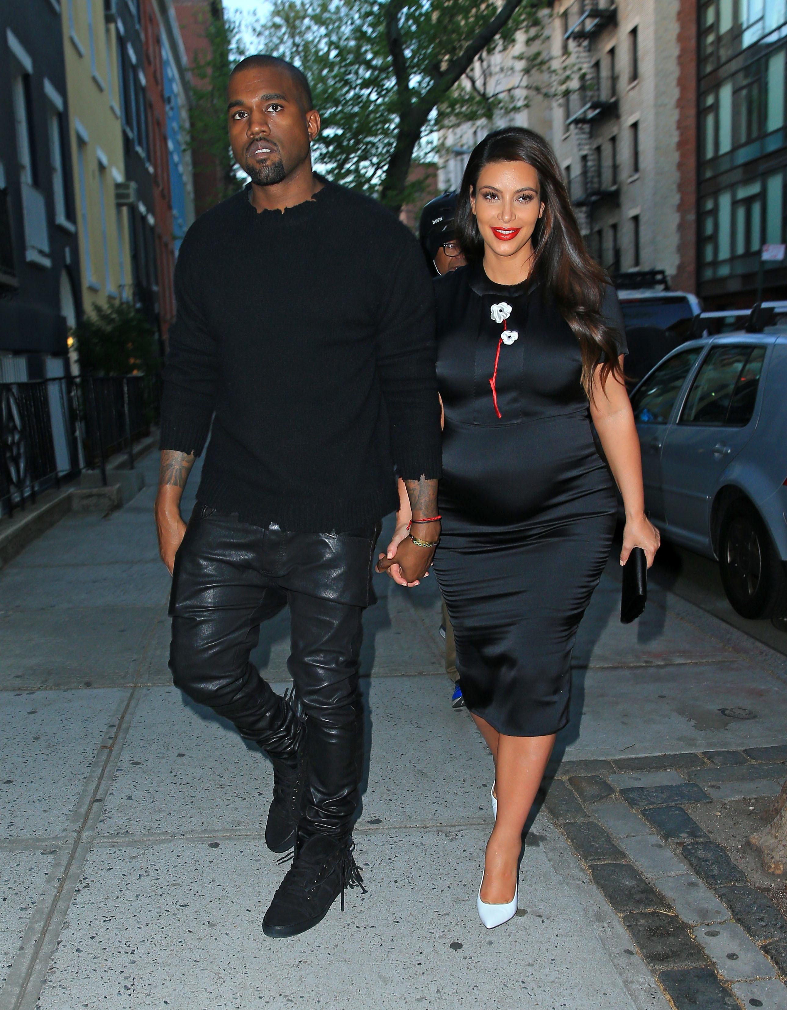 Kim Kardashian kanye west holding hands