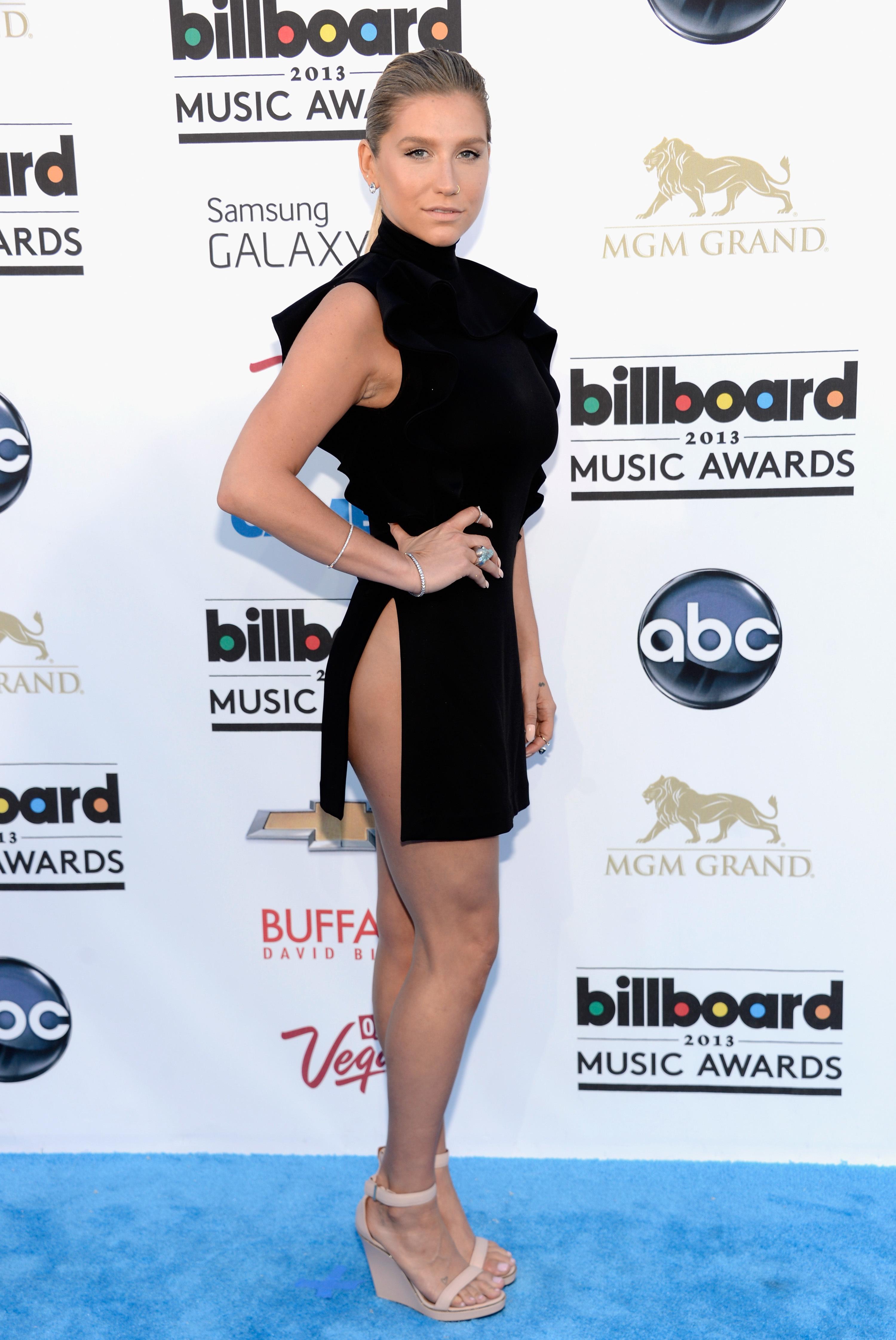 Kesha Side butt