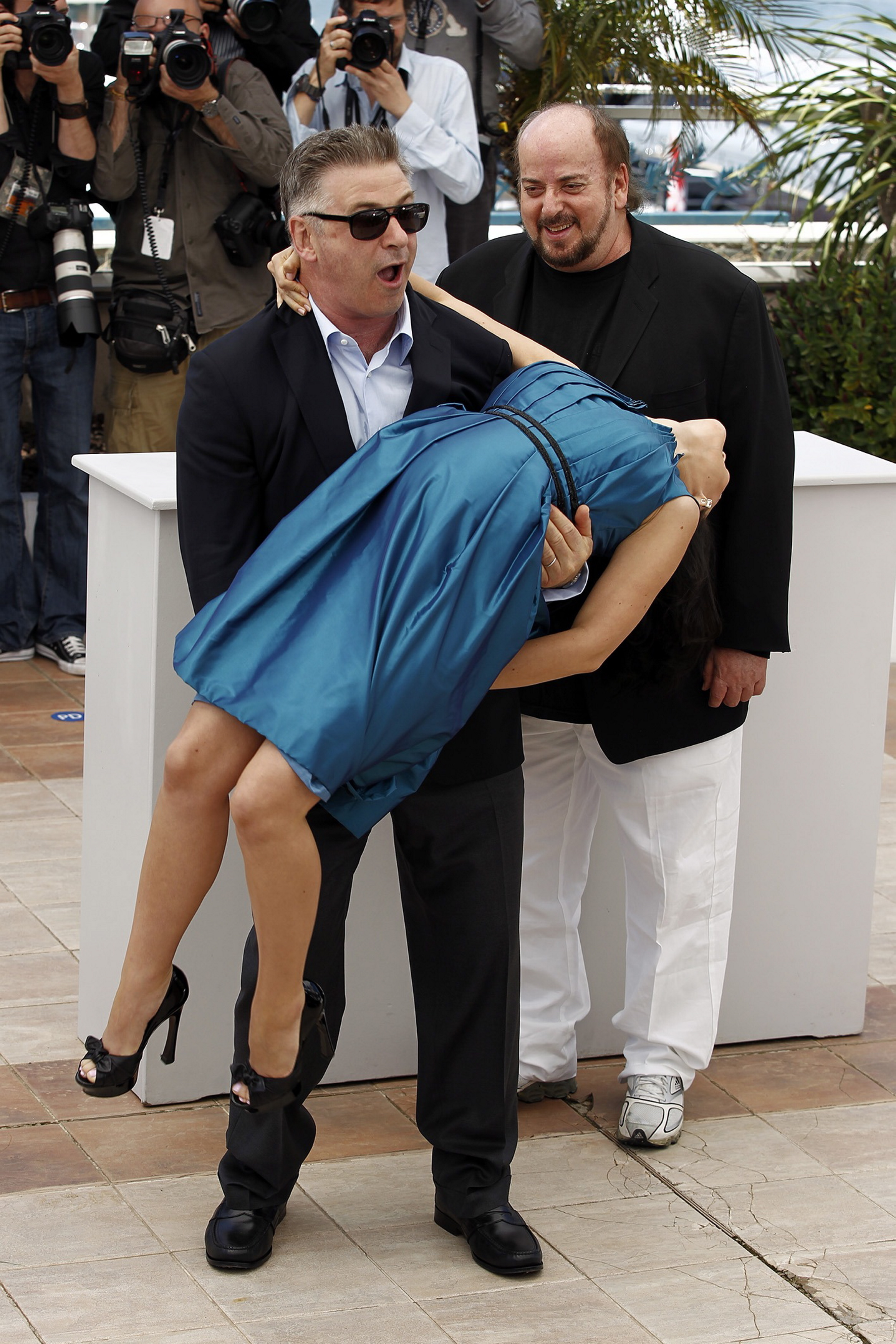alec baldwin hilaria baldwin sweeps off pregnant feet cannes film festival