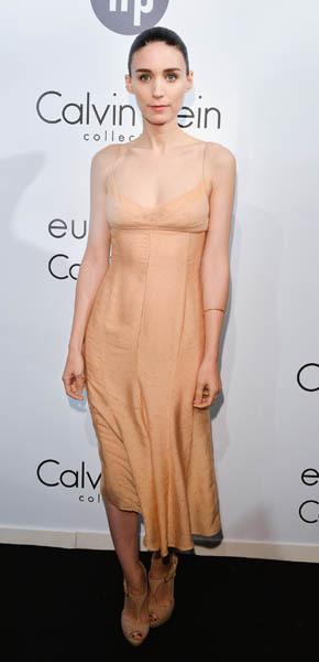 Zoe Saldana Rooney Mara nude hues