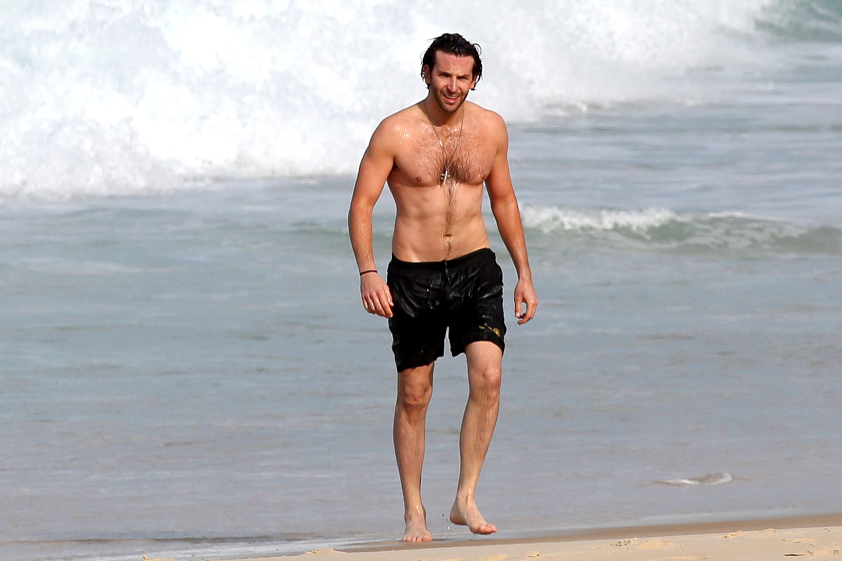bradley cooper shirtless beach brazil rio hangover heather graham ken jeong