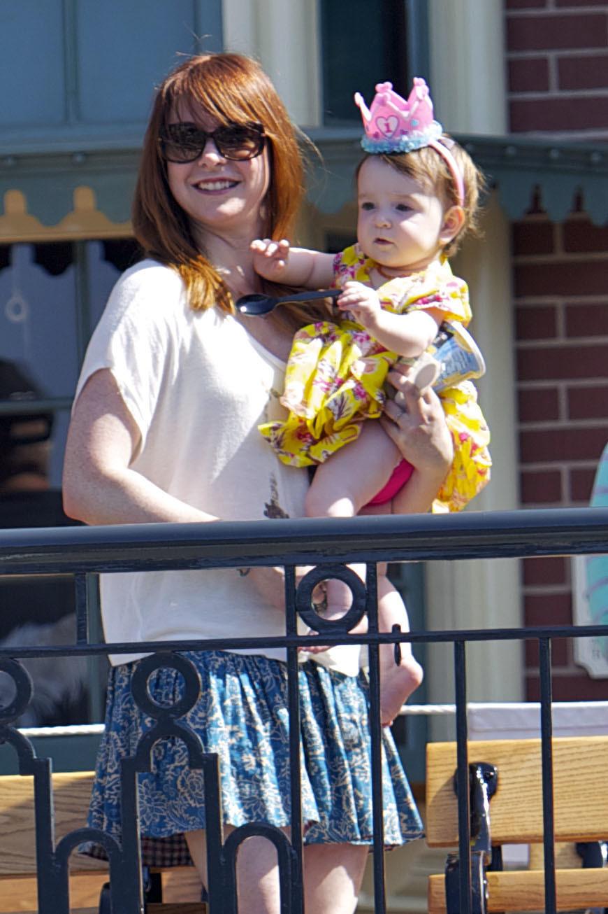 Alyson Hannigan Keeva Disneyland