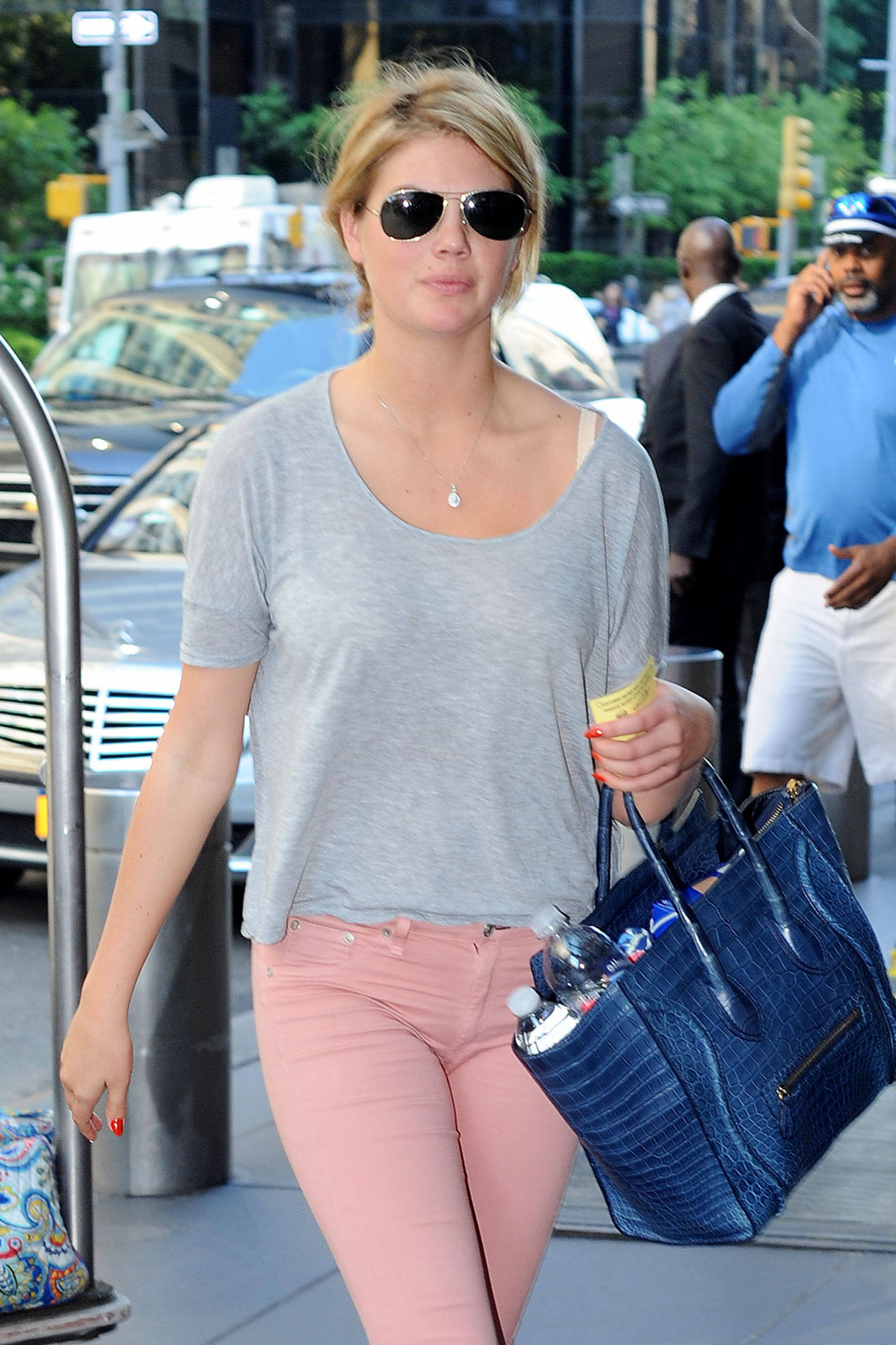 Kate Upton Goes Makeup Free Looks Fresh Faced In New York - Kate-upton-no-makeup