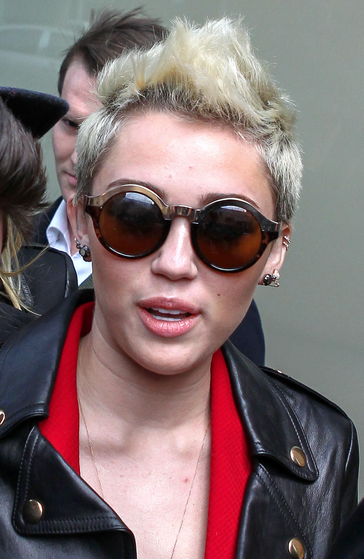 miley cyrus sunglasses