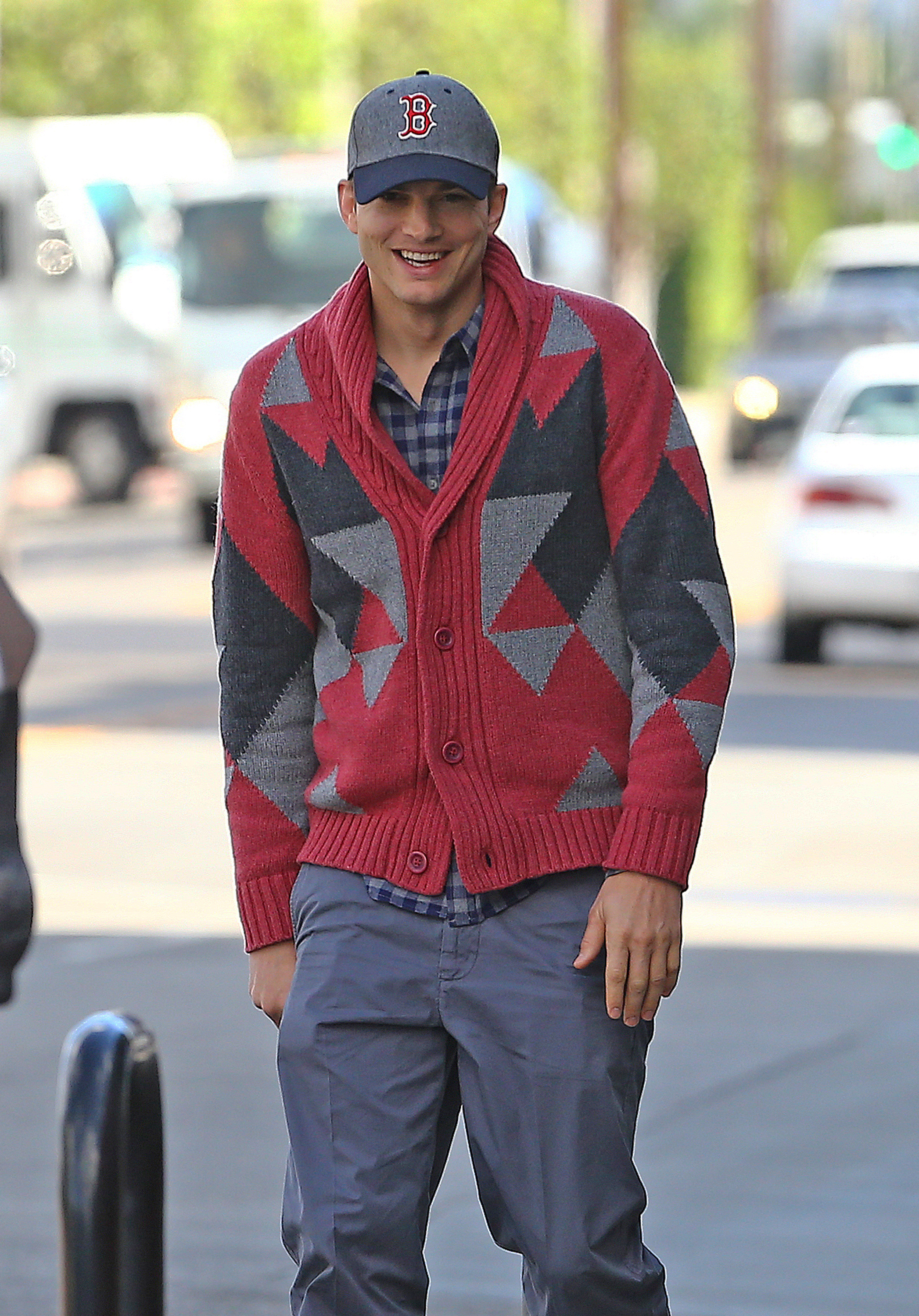 Ashton Kutcher sweater