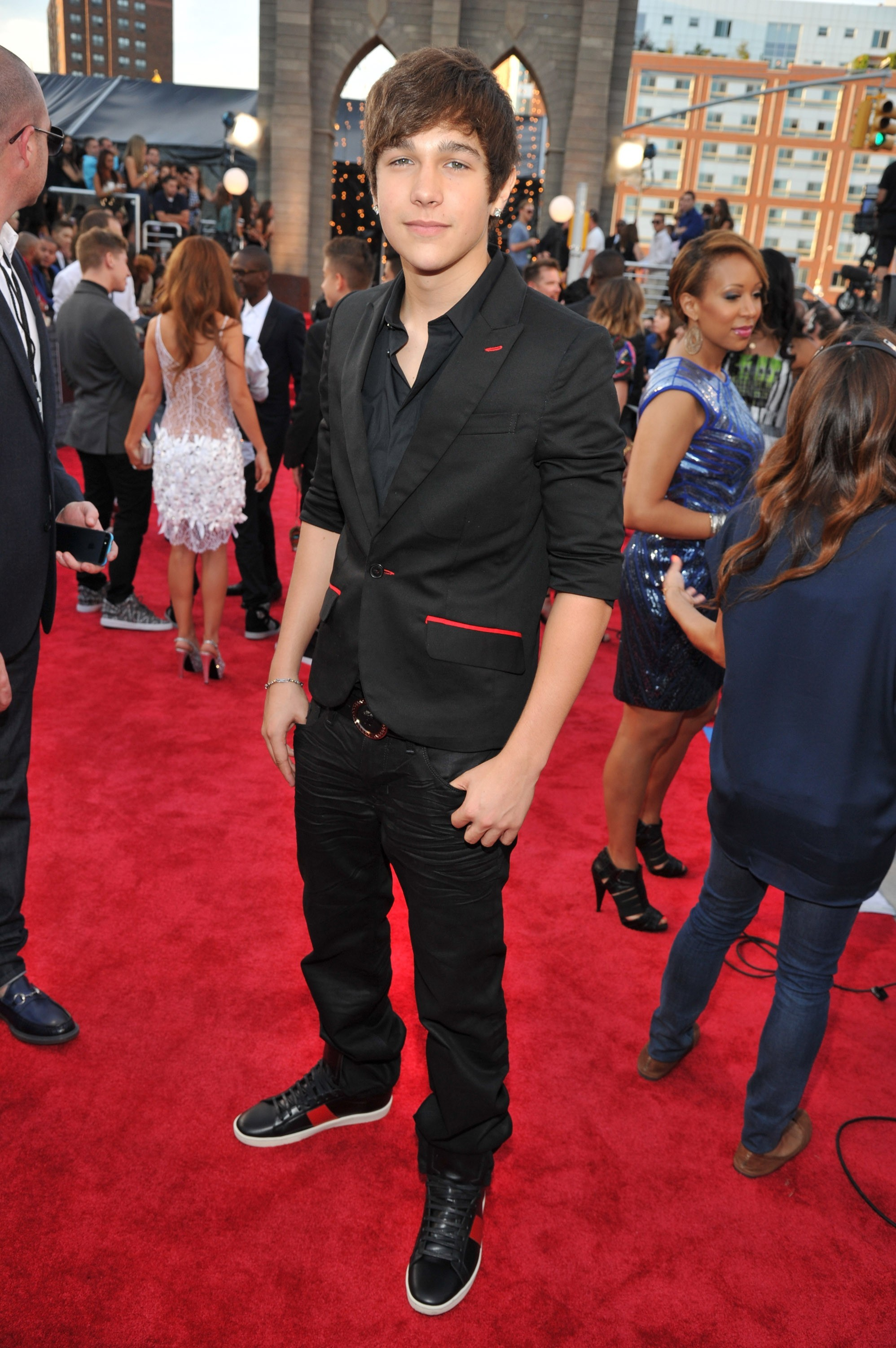 Austin Mahone at VMAs