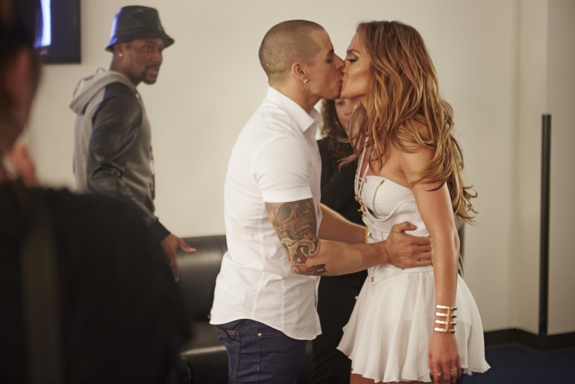 jennifer lopez casper smart boyfriend cosmopolitan insecurity kissing love