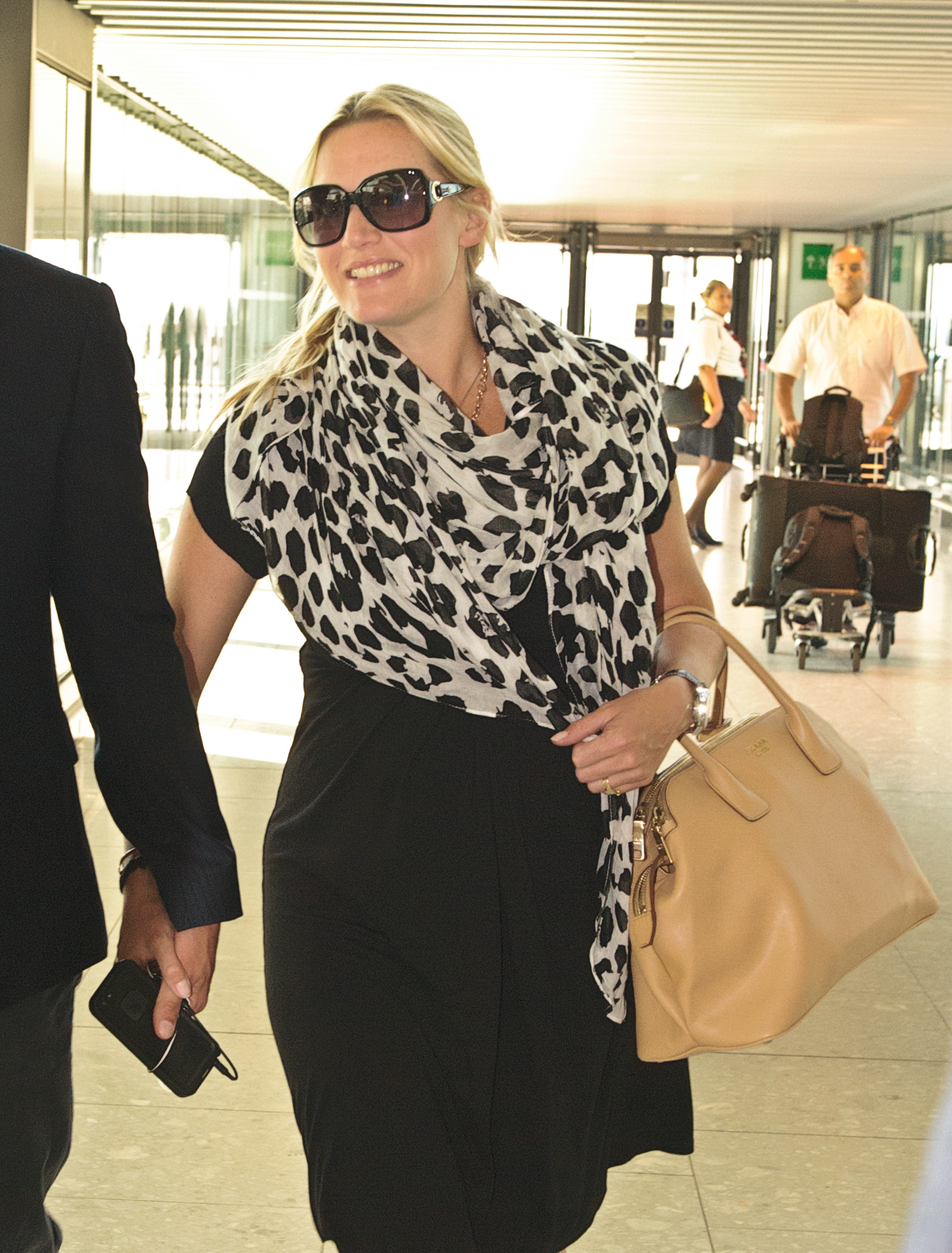 kate winslet baby bump