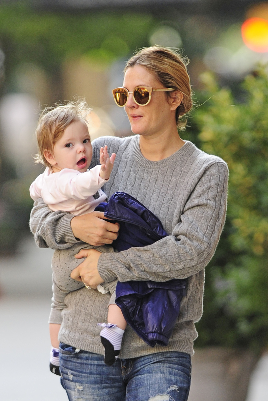 drew barrymore second pregnancy announcement stalked olive