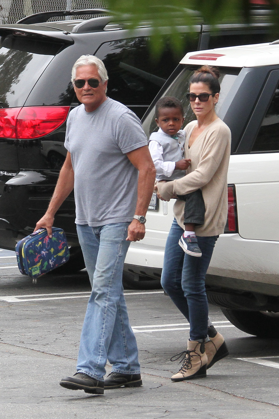 Drew's day out with Olive and more celebs out with their ...