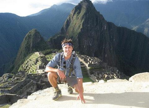 Zac Efron Peru