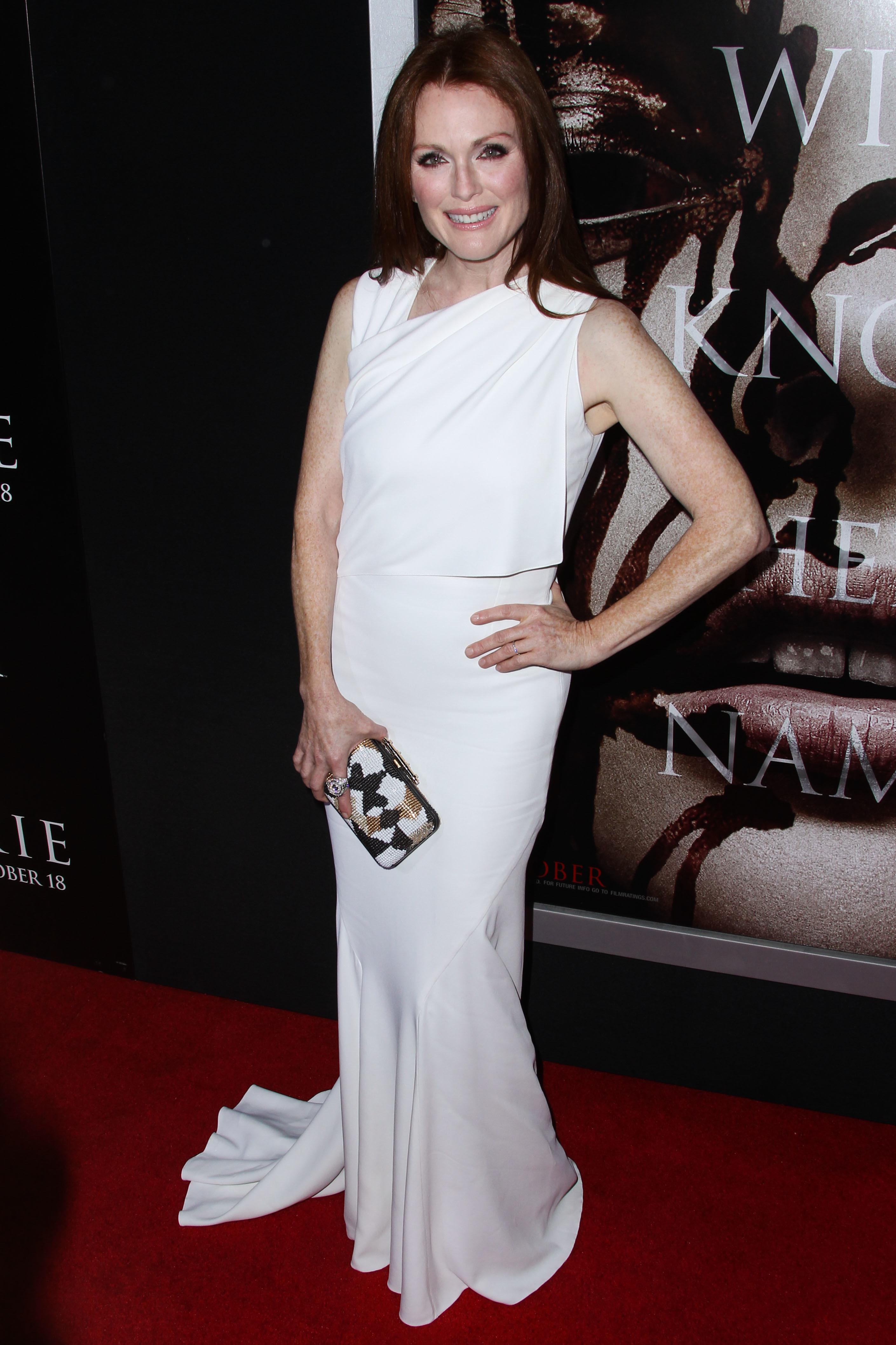julianne moore white dress