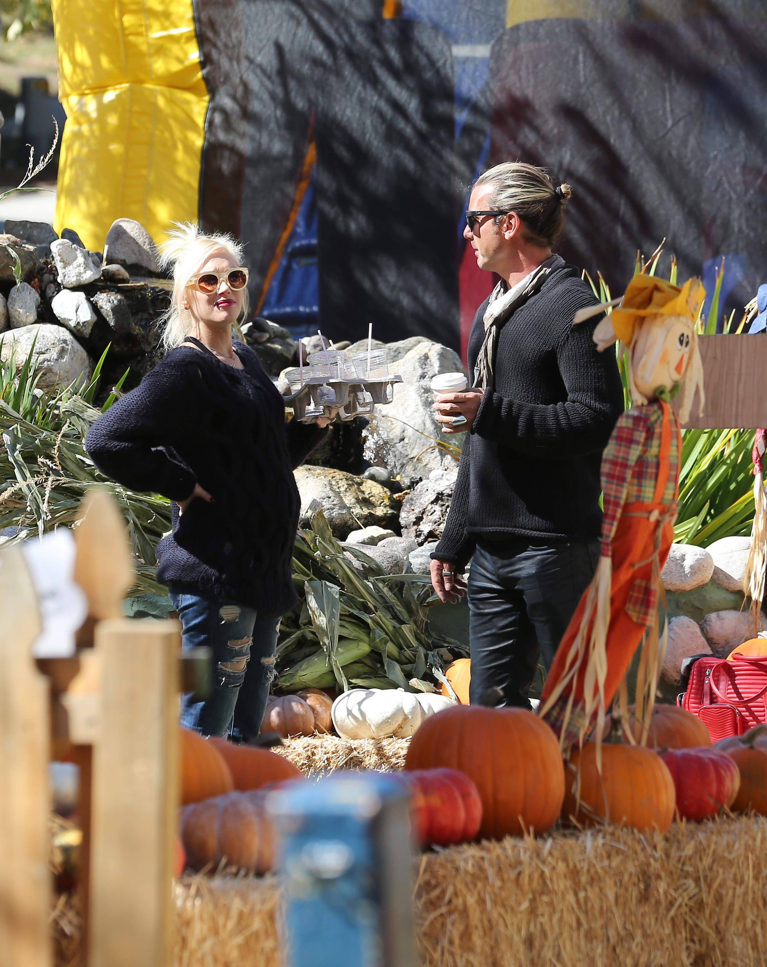 gwen stefani baby bump pumpkin patch