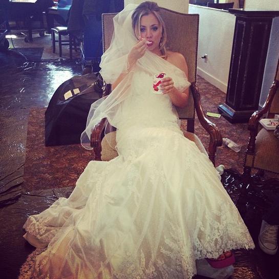 kaley cuoco wedding dress