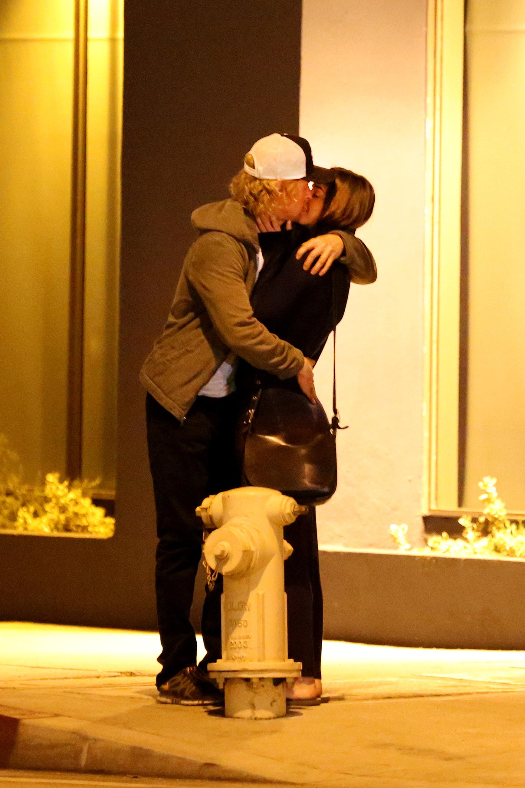 Owen WIlson kissing