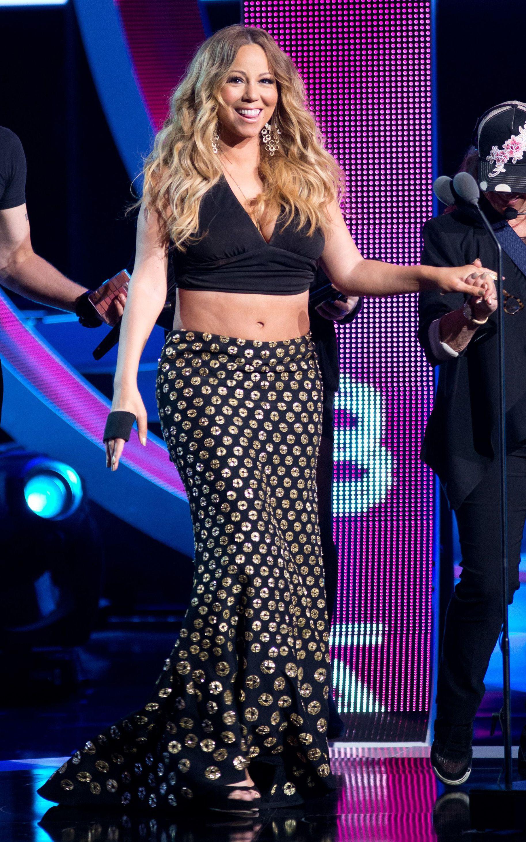 Mariah Carey midriff