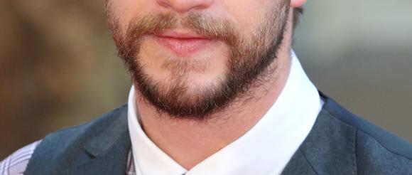 liam hemsworth beard