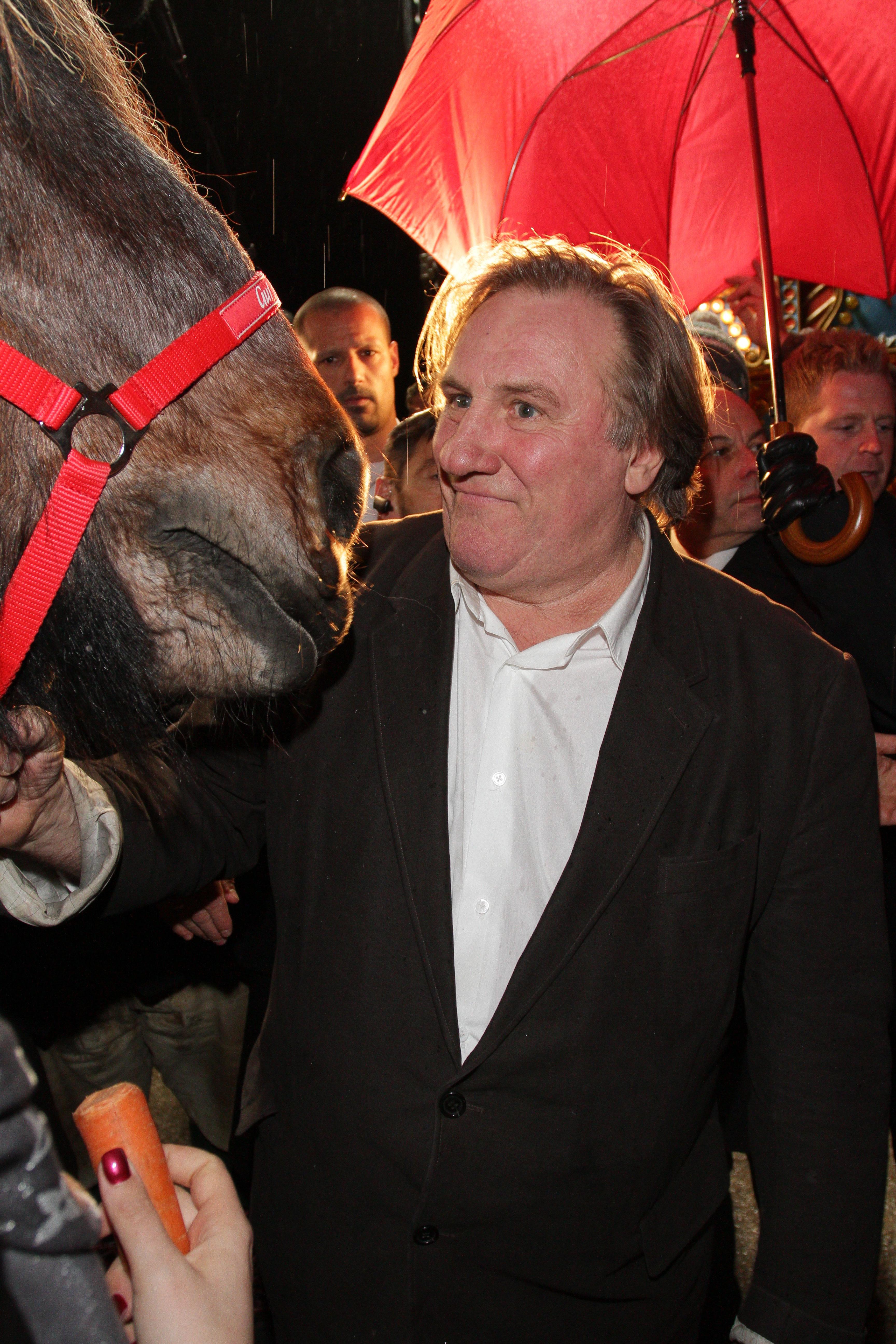 gerard depardieu horse