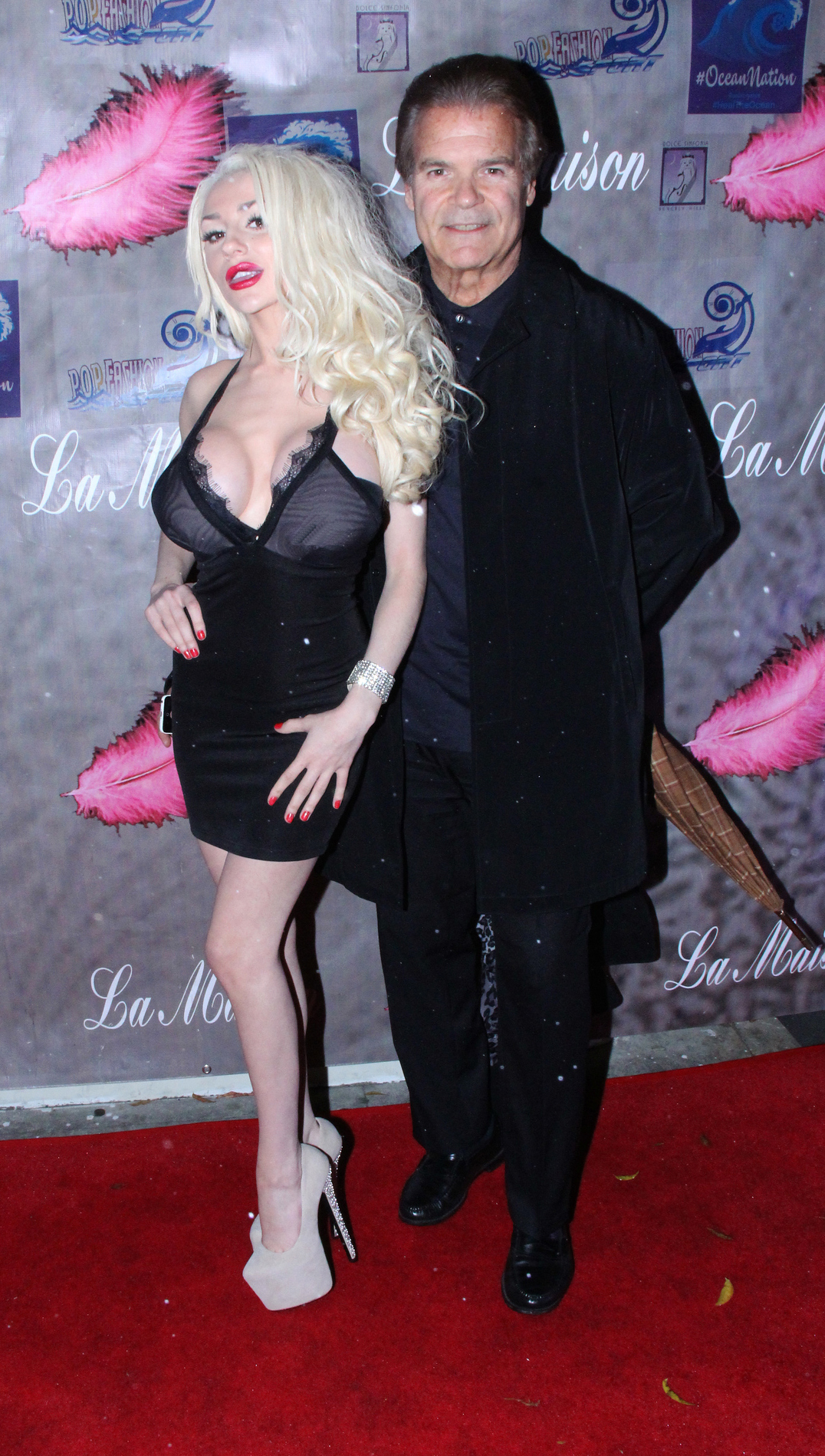 Courtney Stodden goes out with Anna Nicole's ex