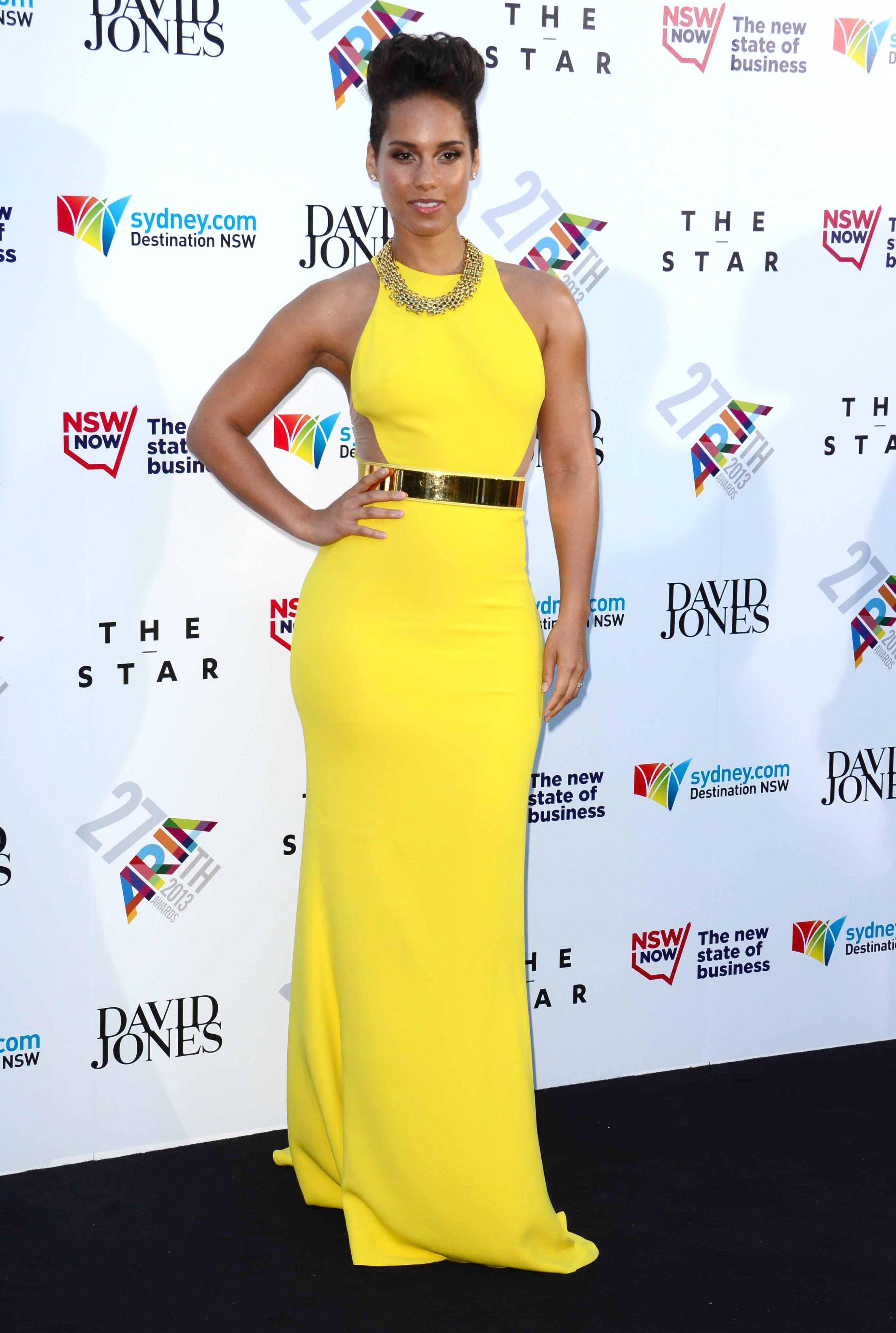 Alicia Keys yellow dress