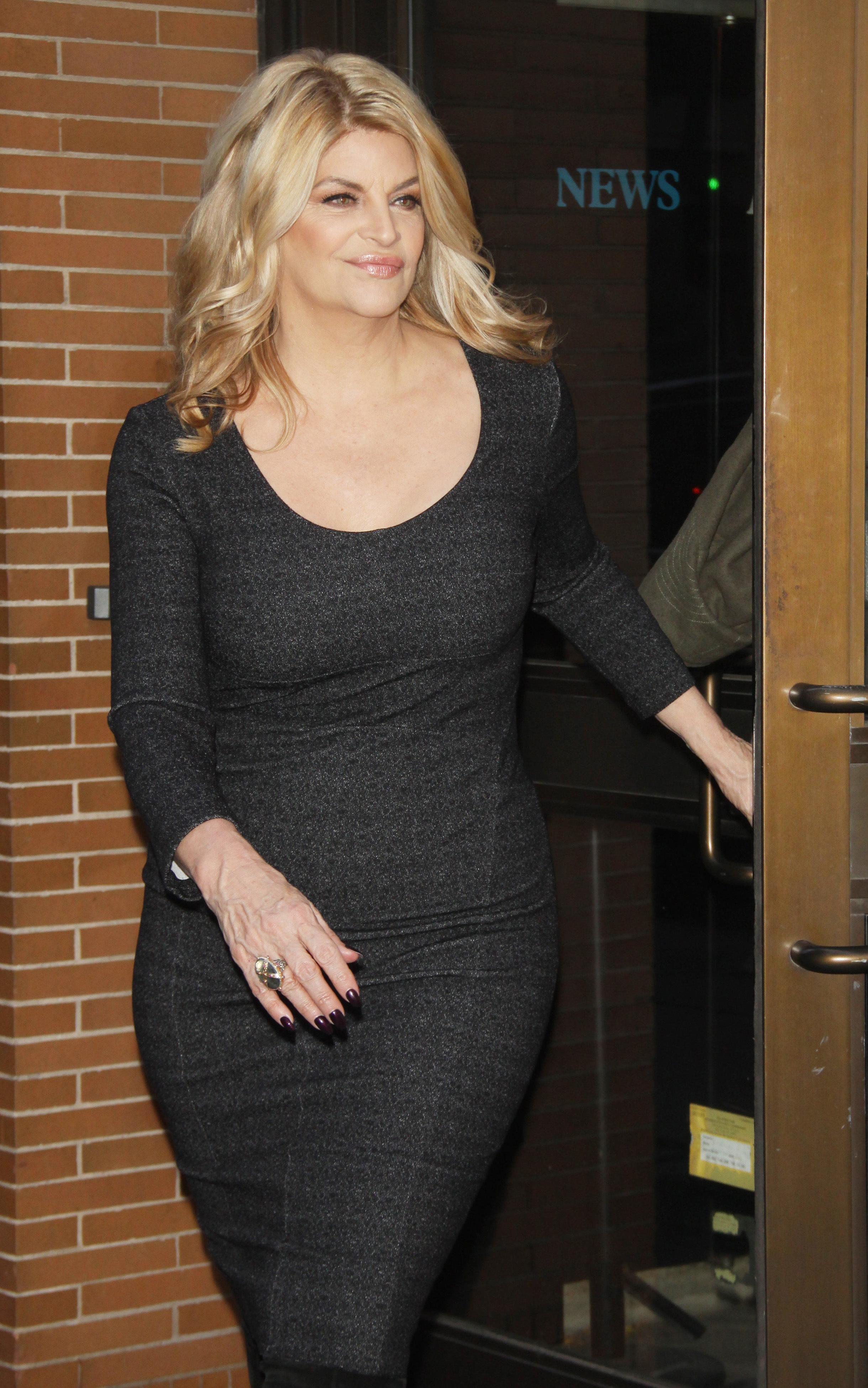 kirstie alley black dress