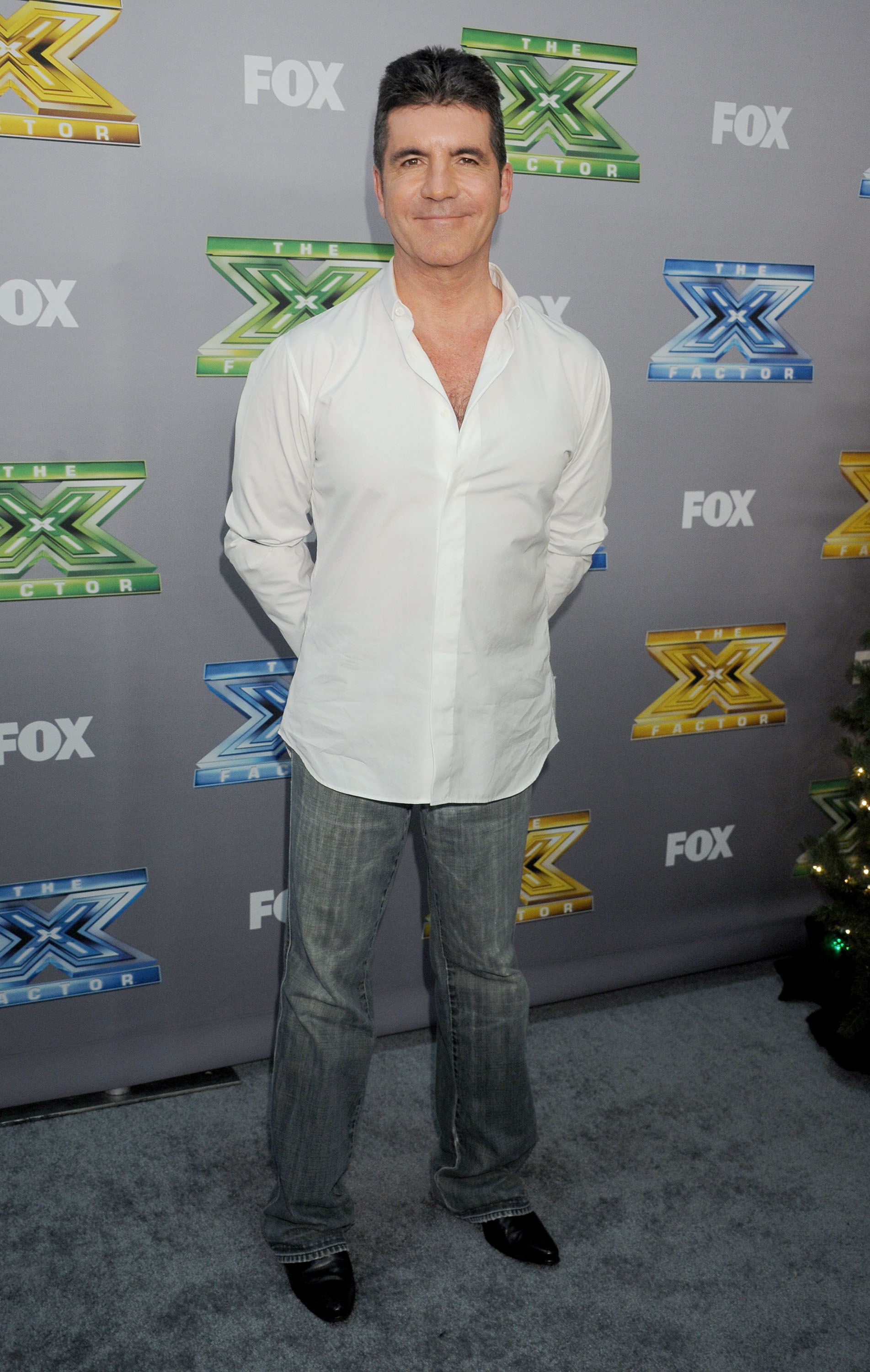 Simon Cowell steps up to help young cancer patient