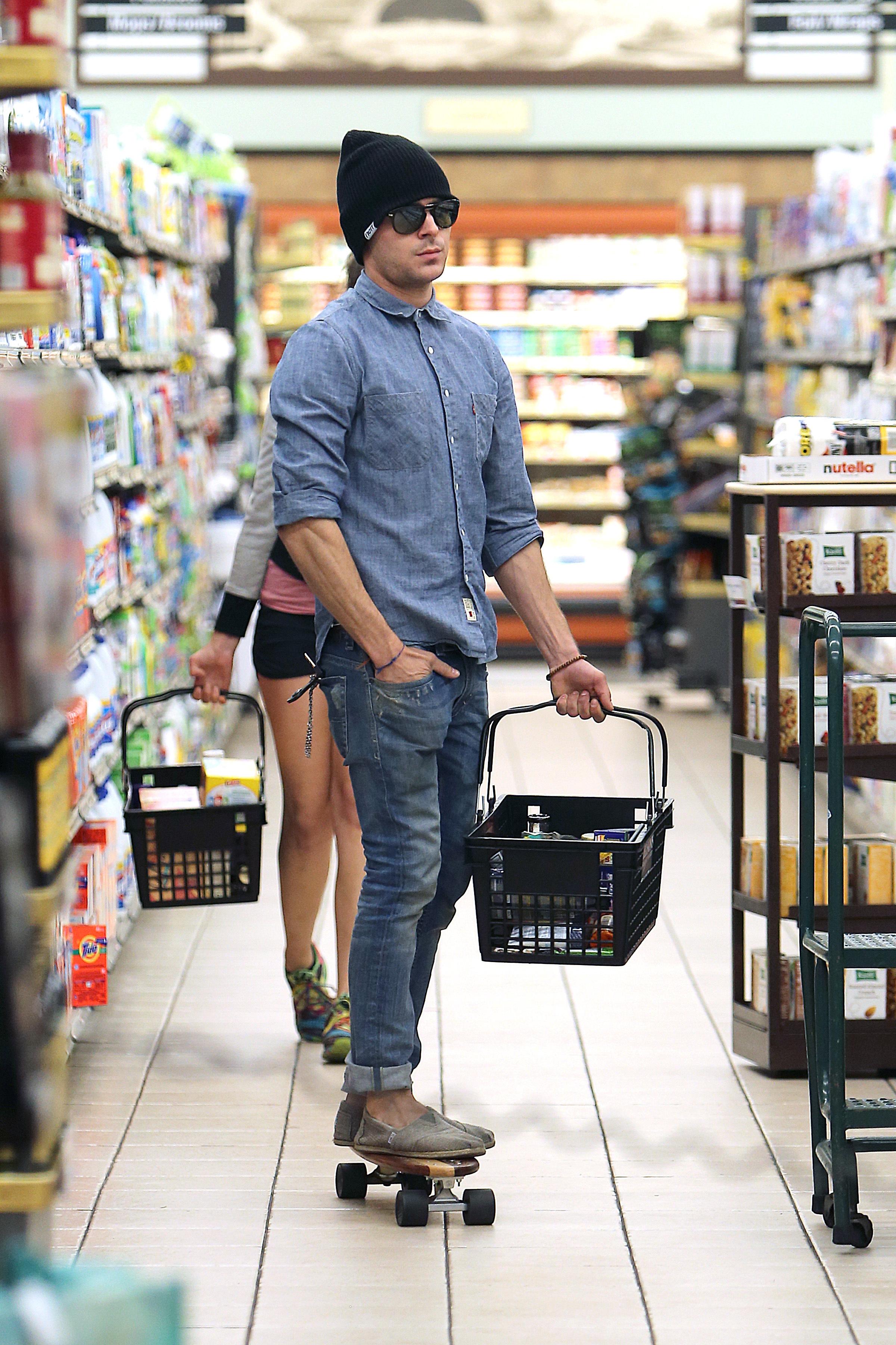 Zac Efron skateboard grocery