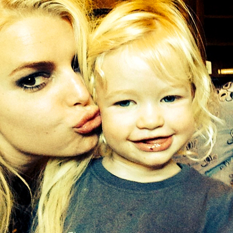 jessica simpson daughter maxwell
