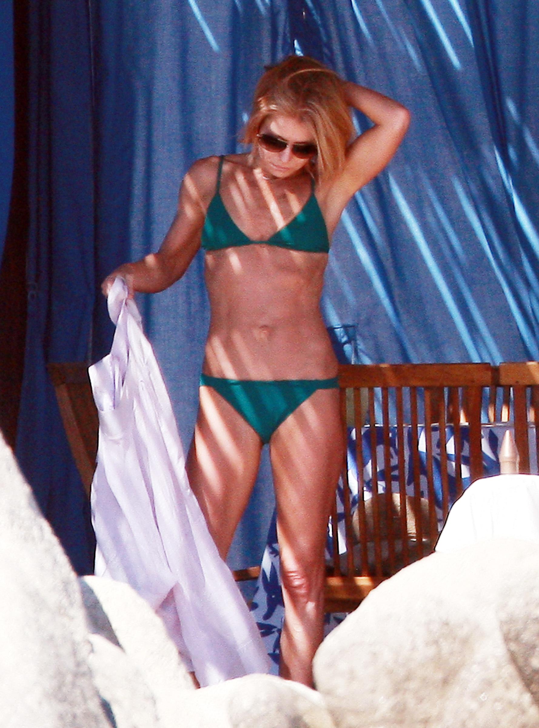 Kelly ripa bikini pics 8