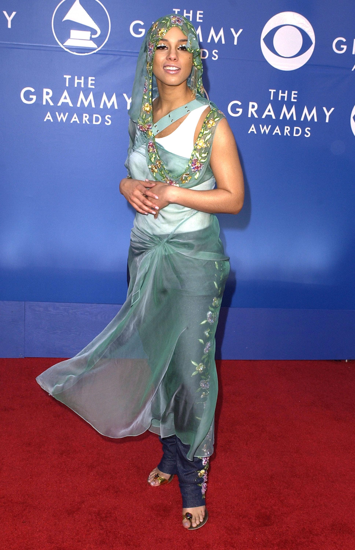 Alicia Keys 2002 Grammys blue sari look - Most buzzed ...