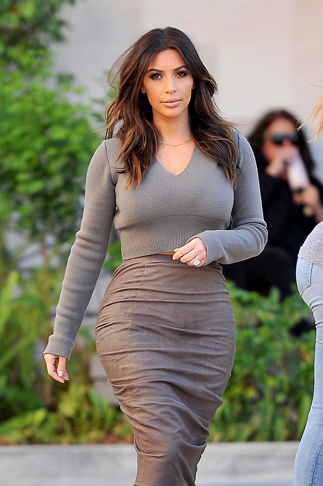 Kim Kardashian back to brunette