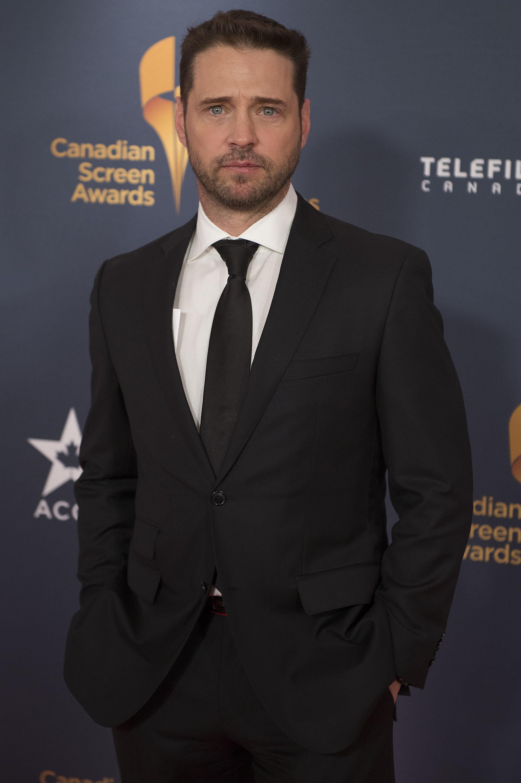 Jason Priestley suit