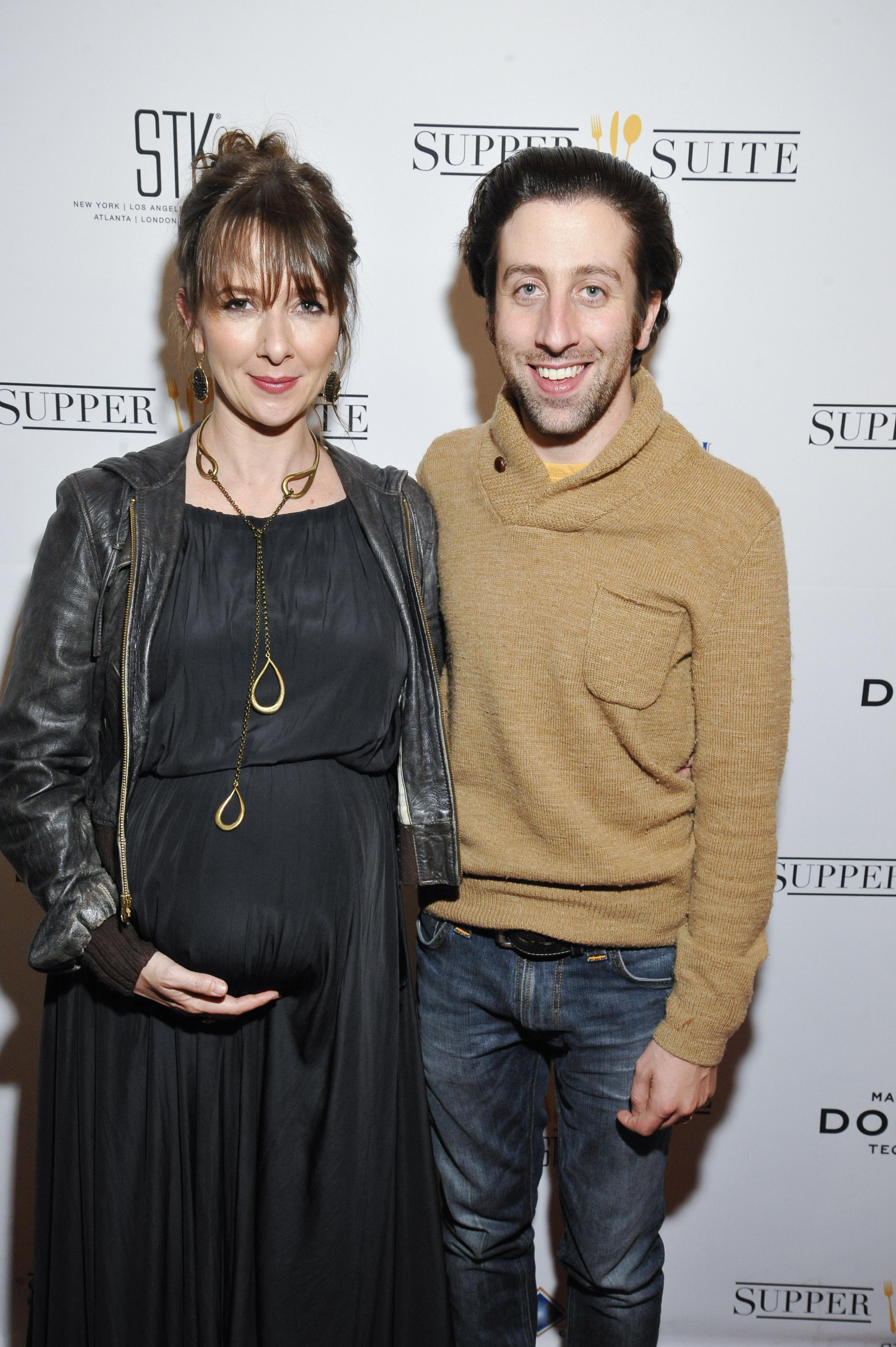 Simon Helberg pregnant wife
