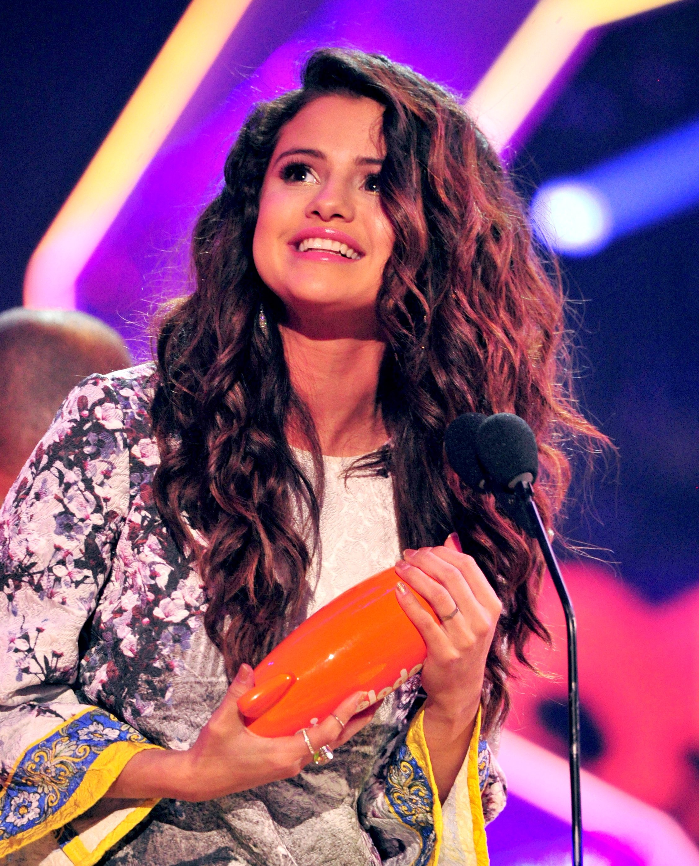 Selena Gomez ring