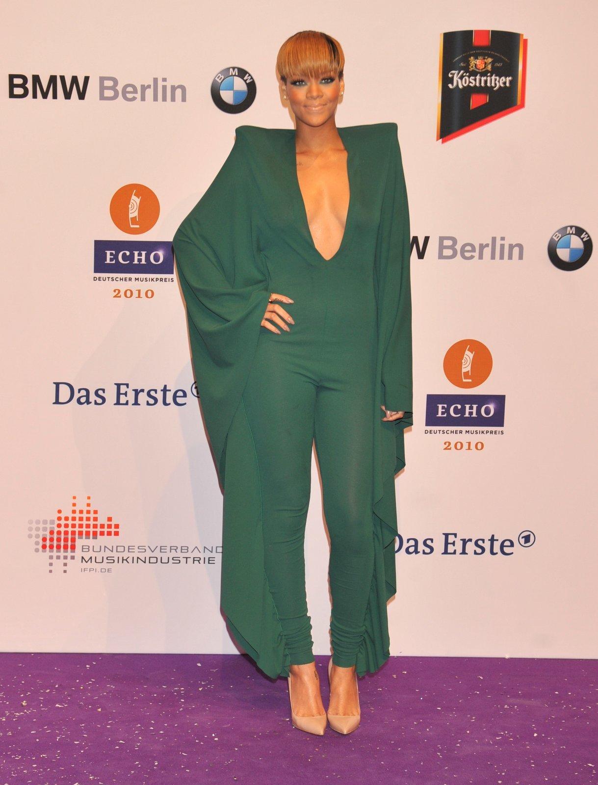 Rihanna Echo