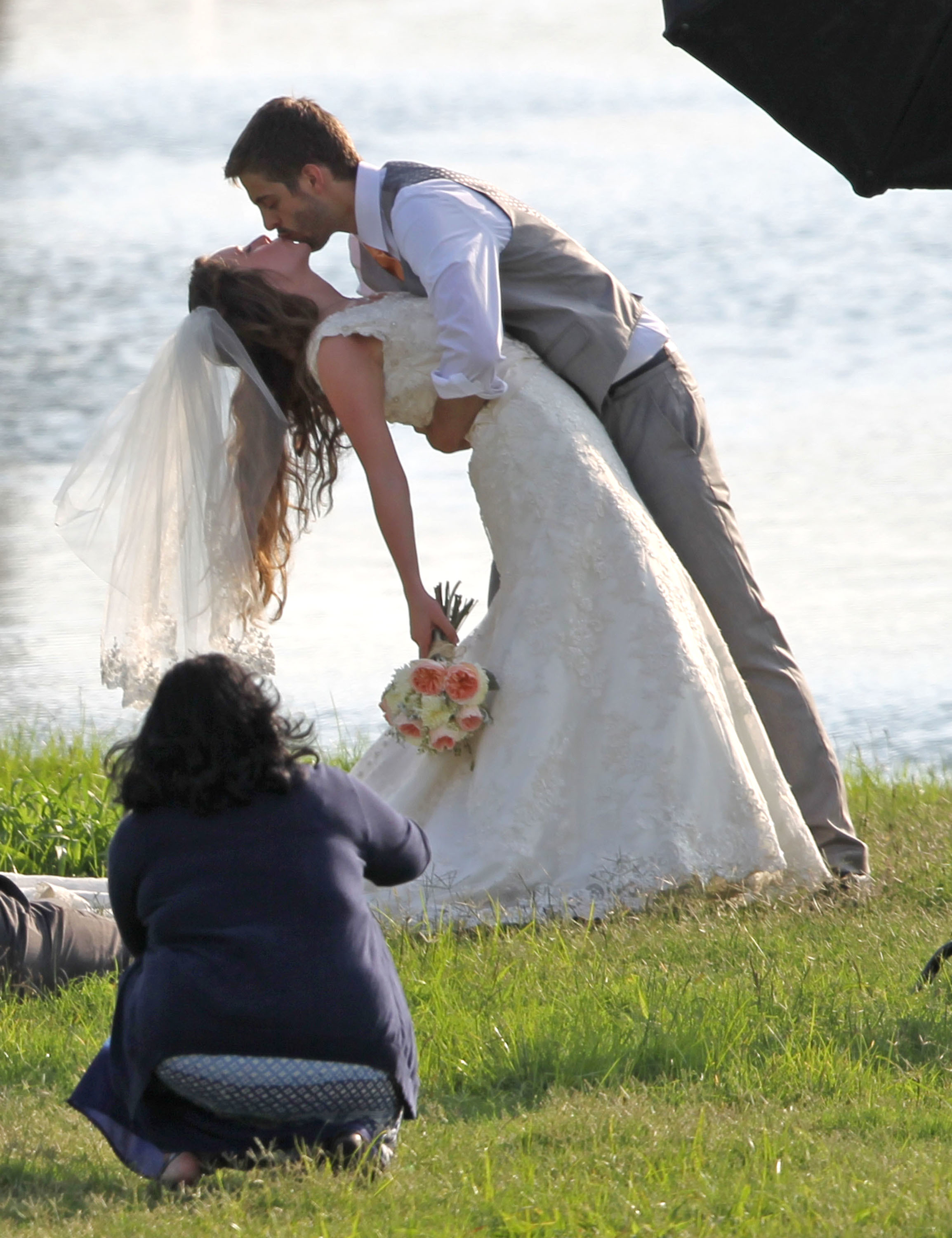 Jill Duggar kiss wedding Derick Dillard