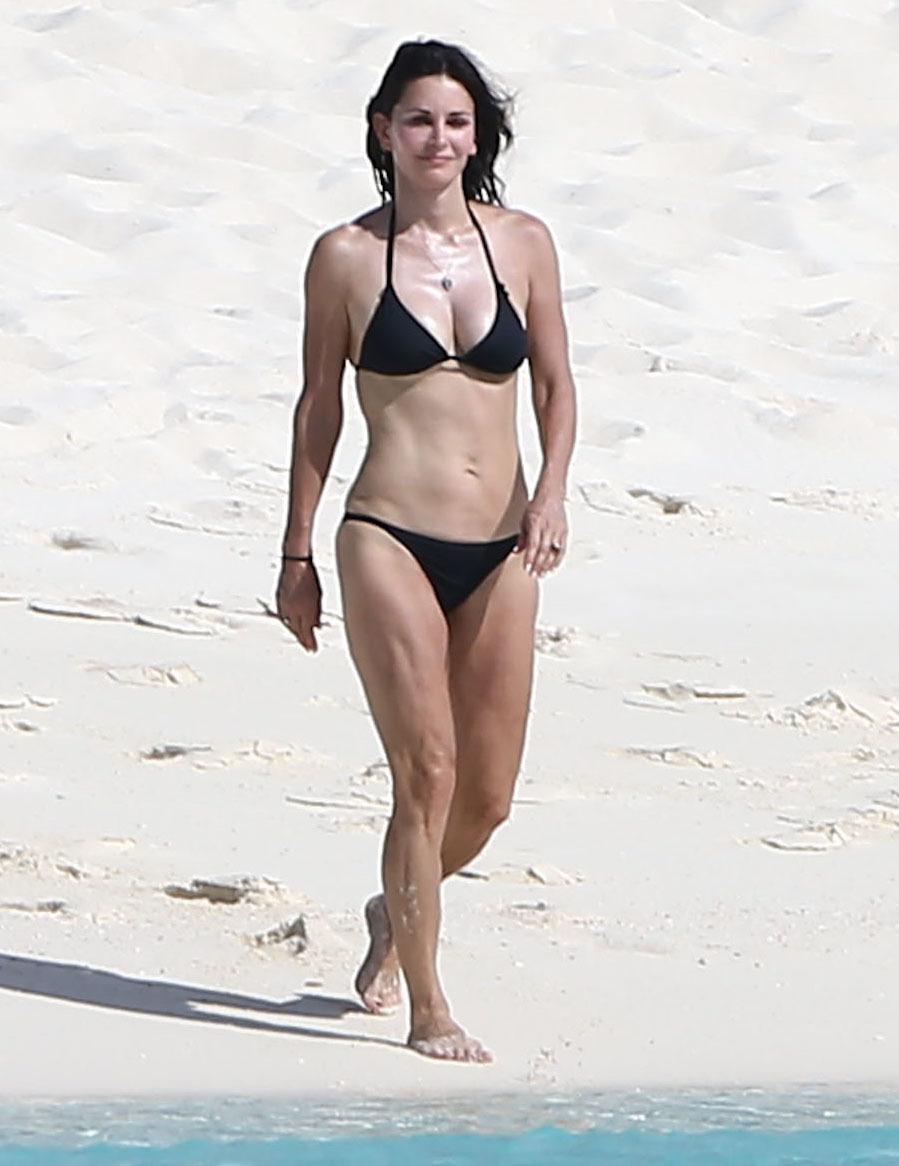courteney cox bikini