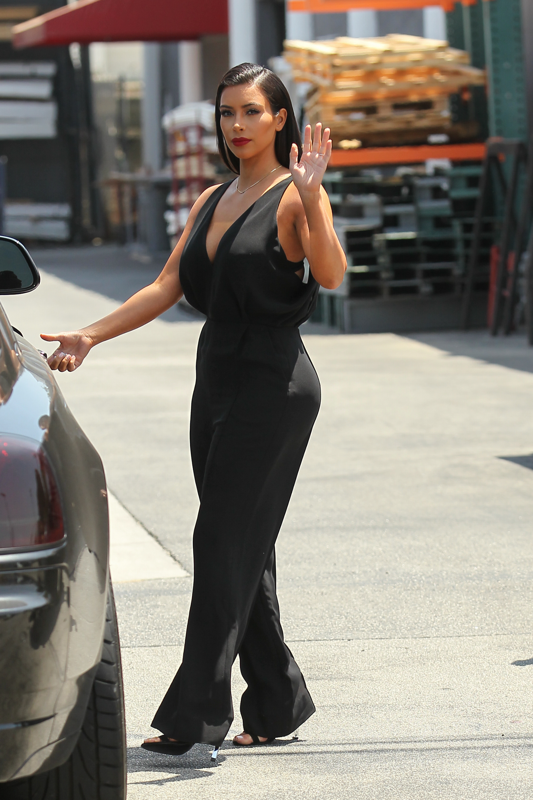 kim kardashian black car