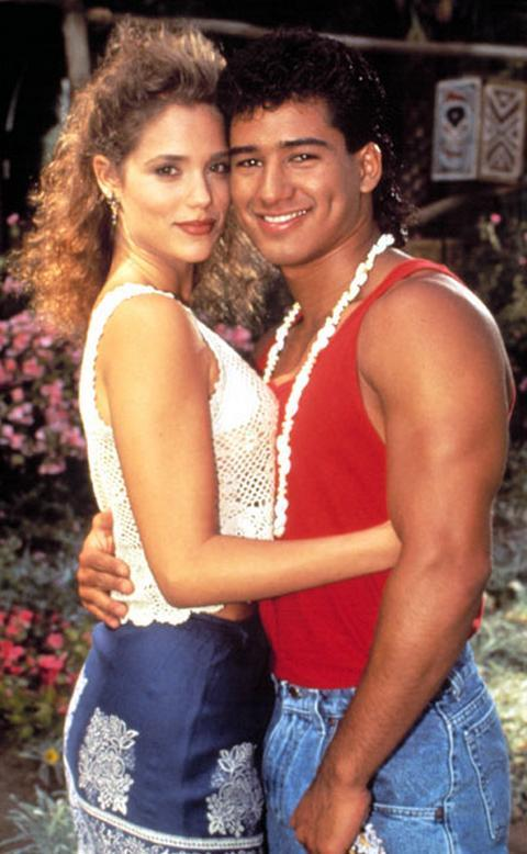 Elizabeth Berkley Mario Lopez SAved By the bell