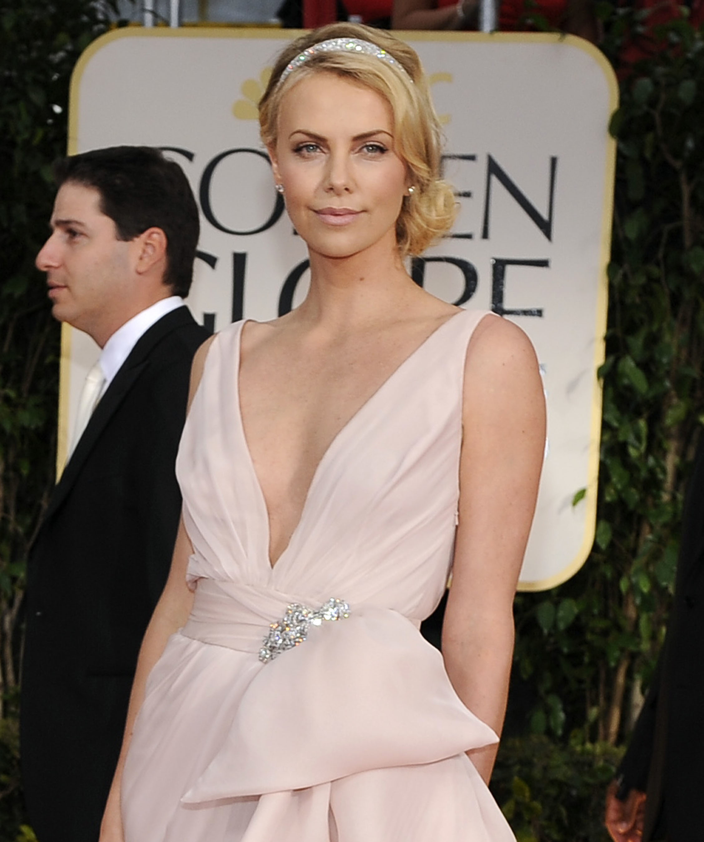 charlize theron natural look