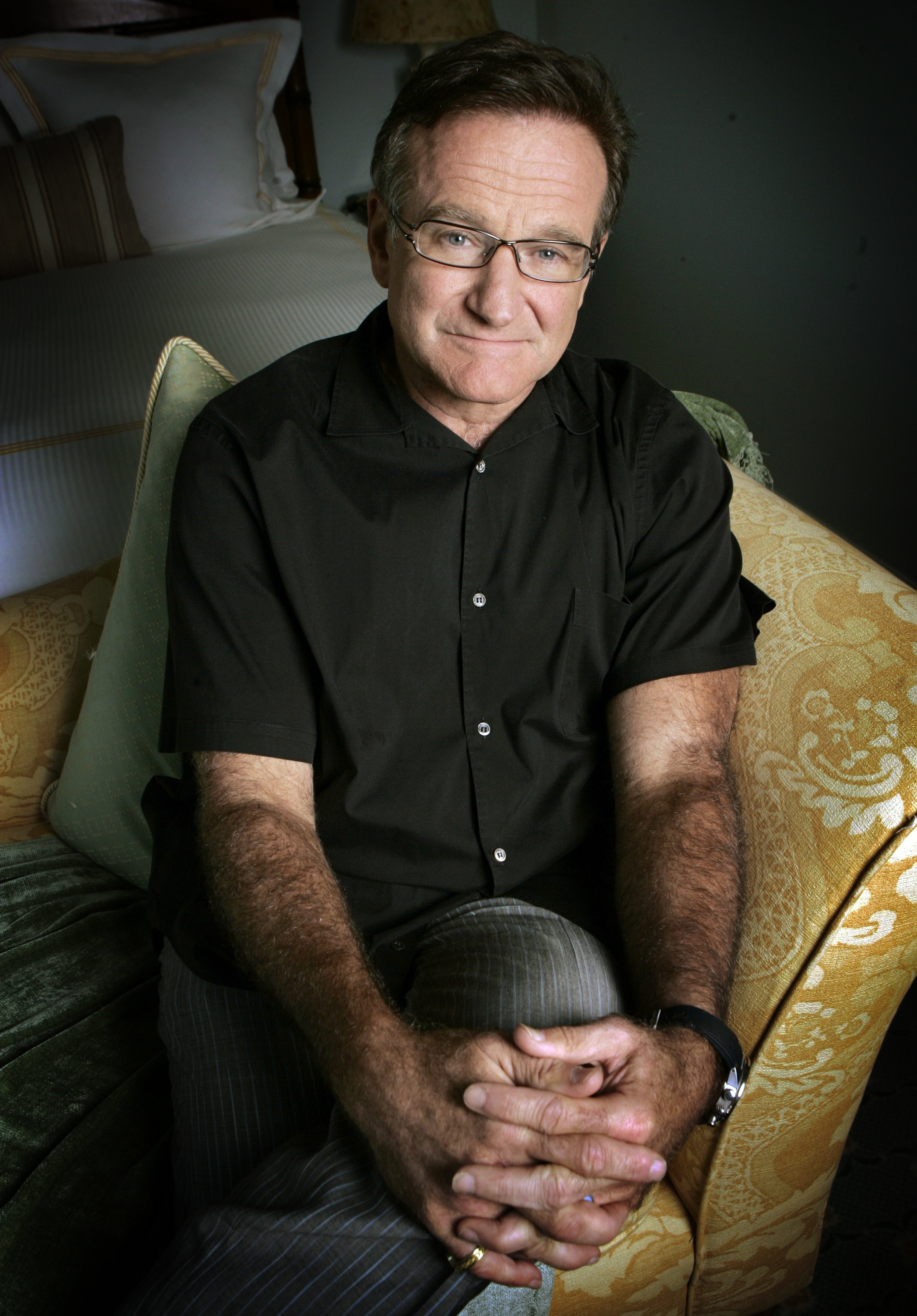 Robin Williams dies