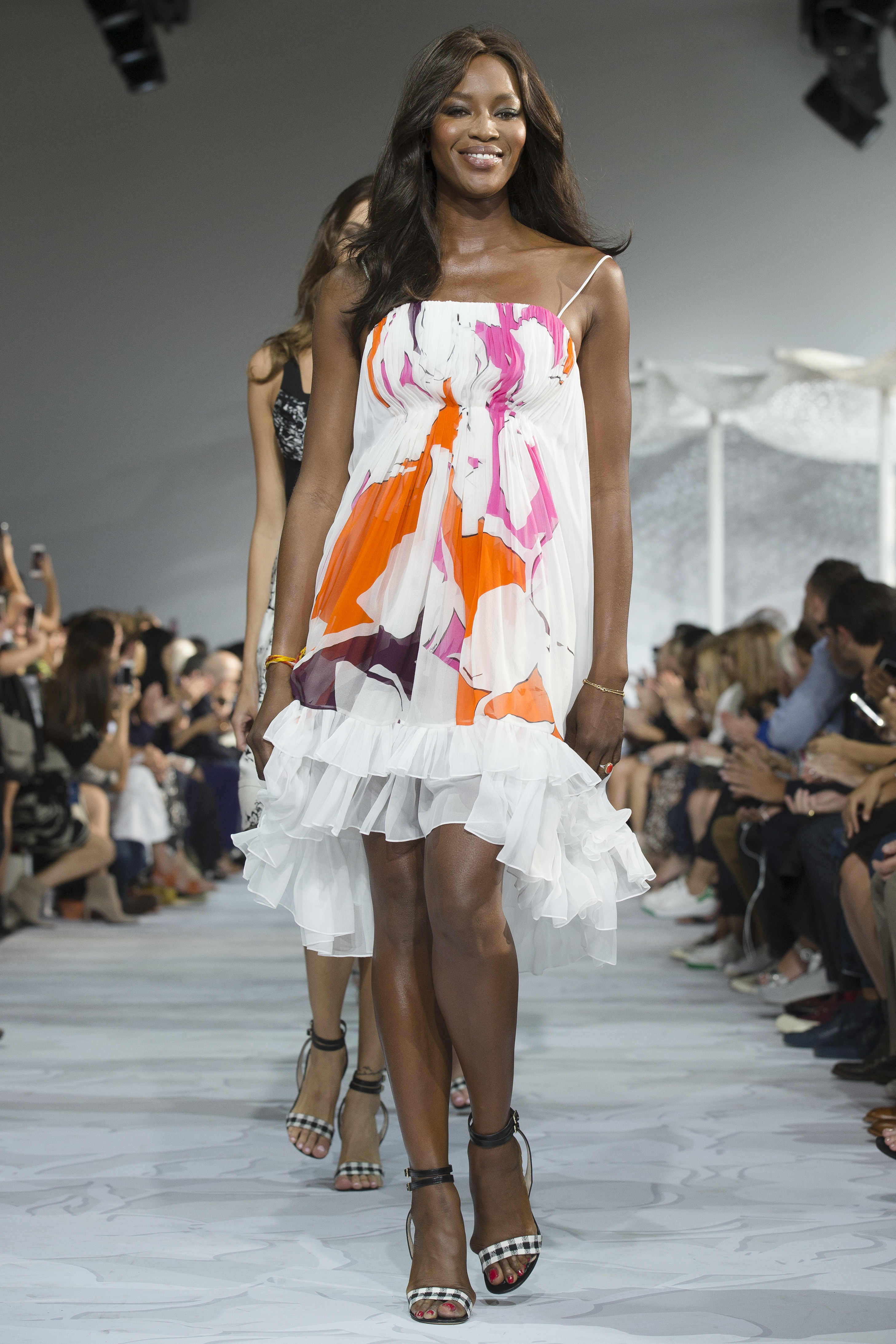 Naomi Campbell hopes to fight Ebola with fashion fundraiser