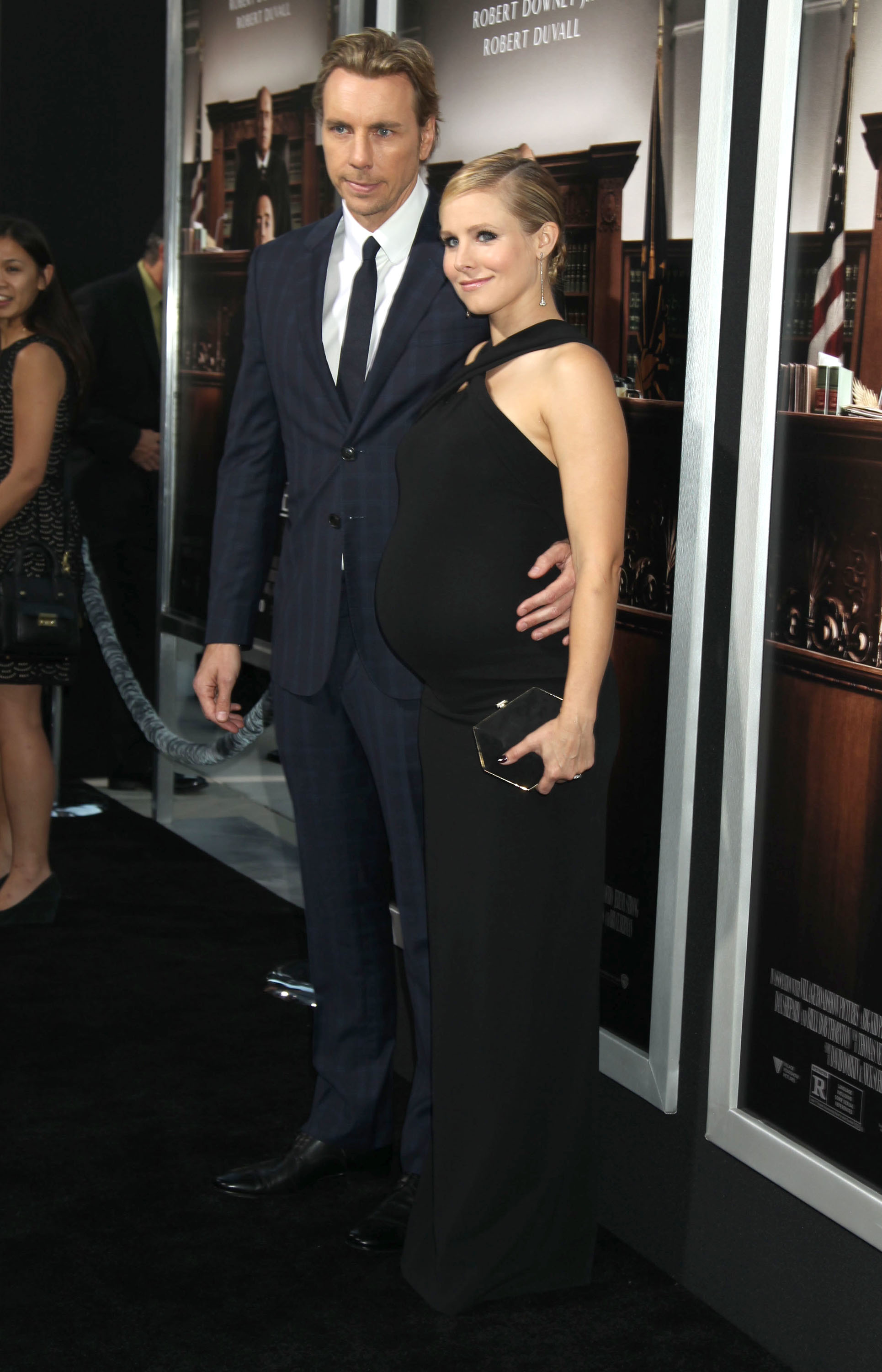 Kristen Bell shows off chic bump style at 'The Judge' premiere