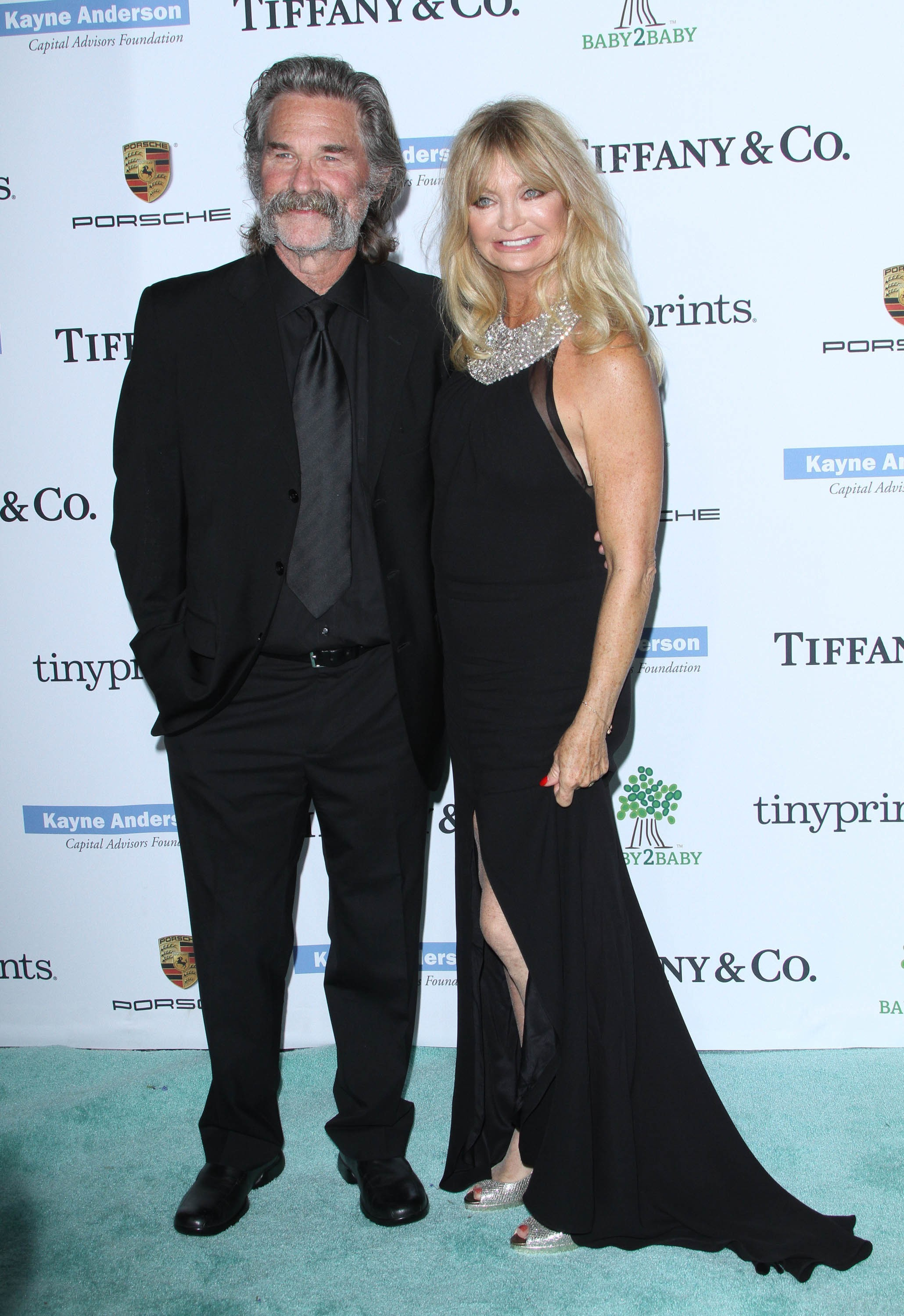 Goldie Hawn and Kurt Russell celebrate the Broncos' Super Bowl win