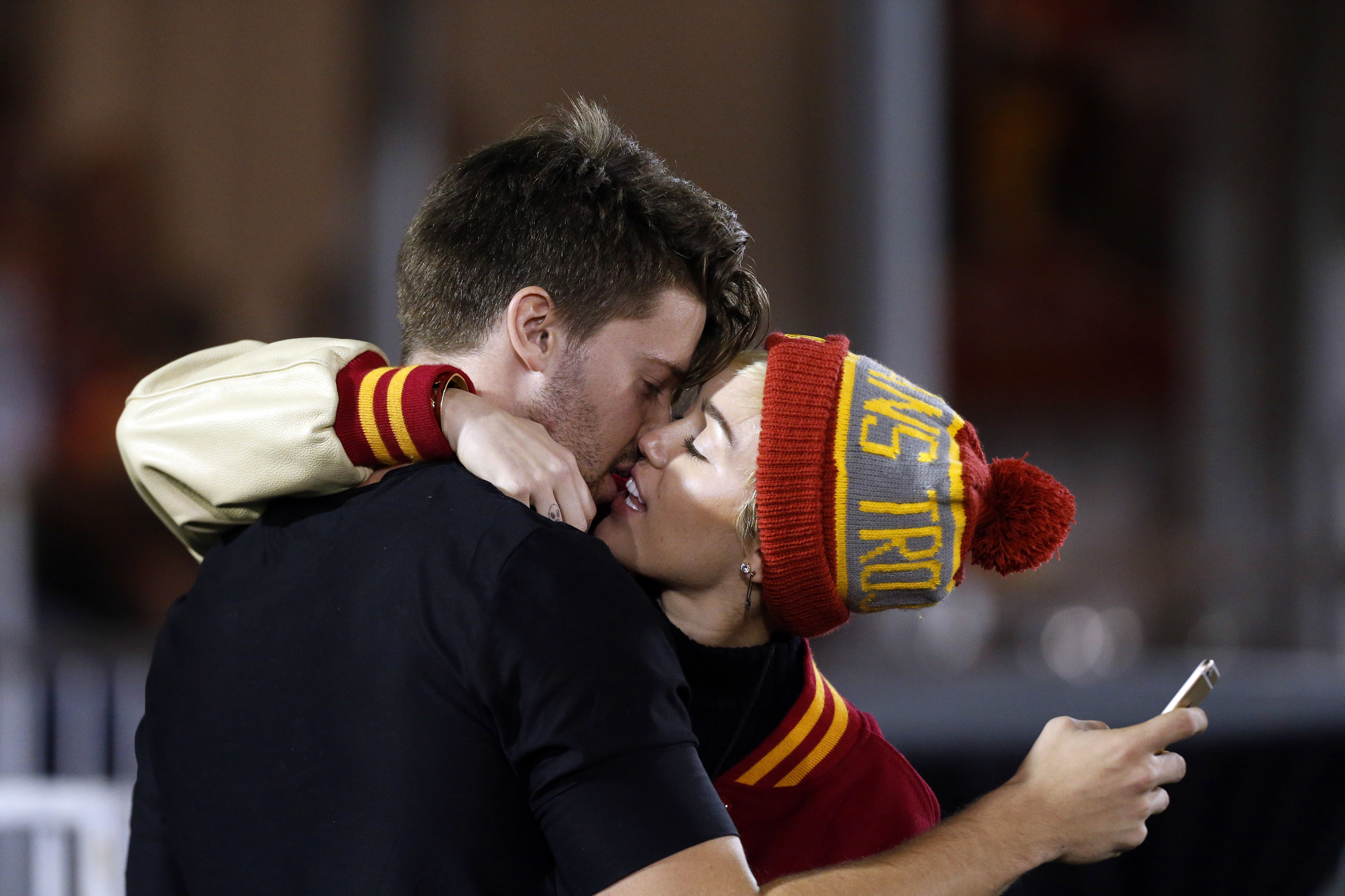 Miley Cyrus makes out with Patrick Schwarzenegger