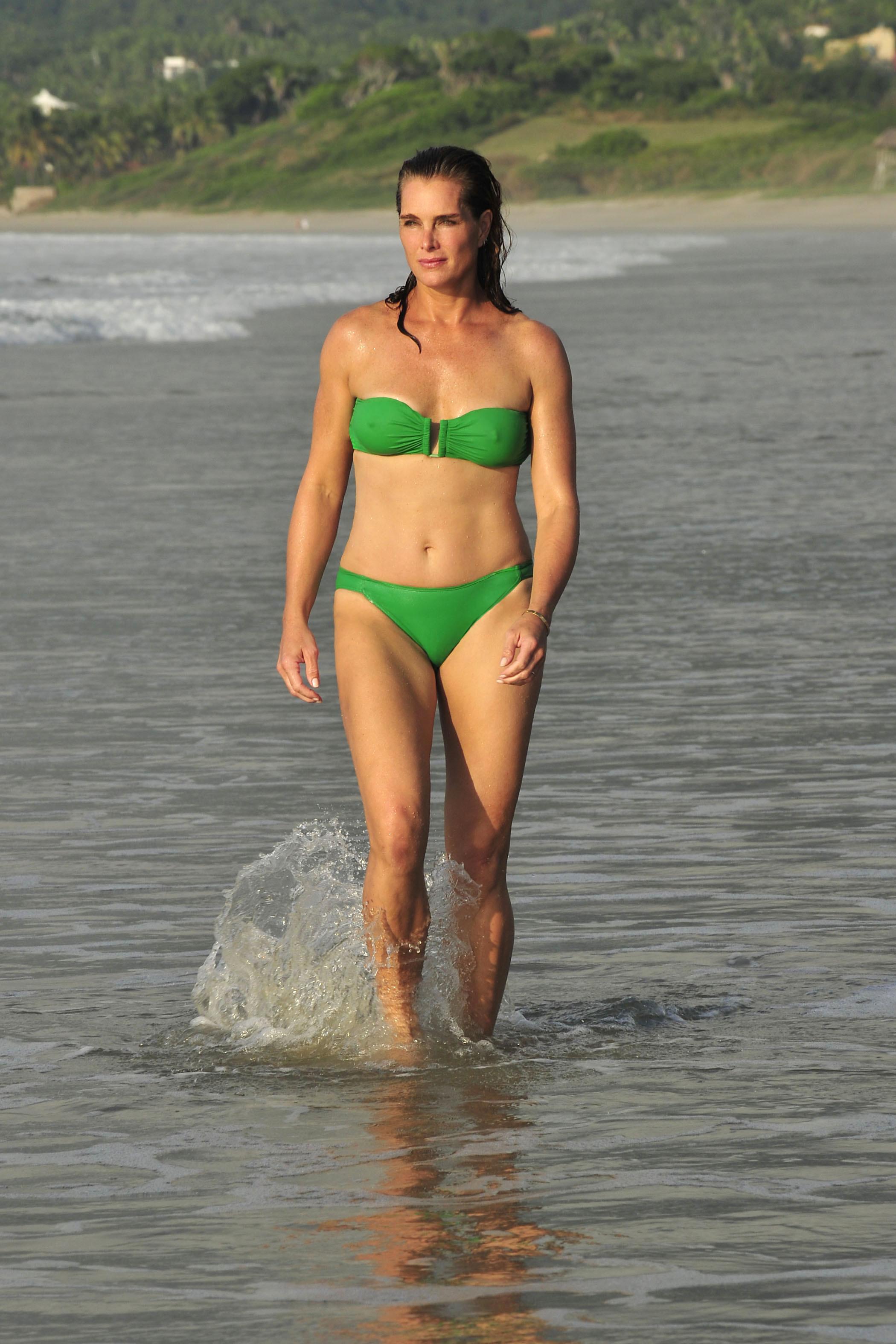 brooke shields bikini