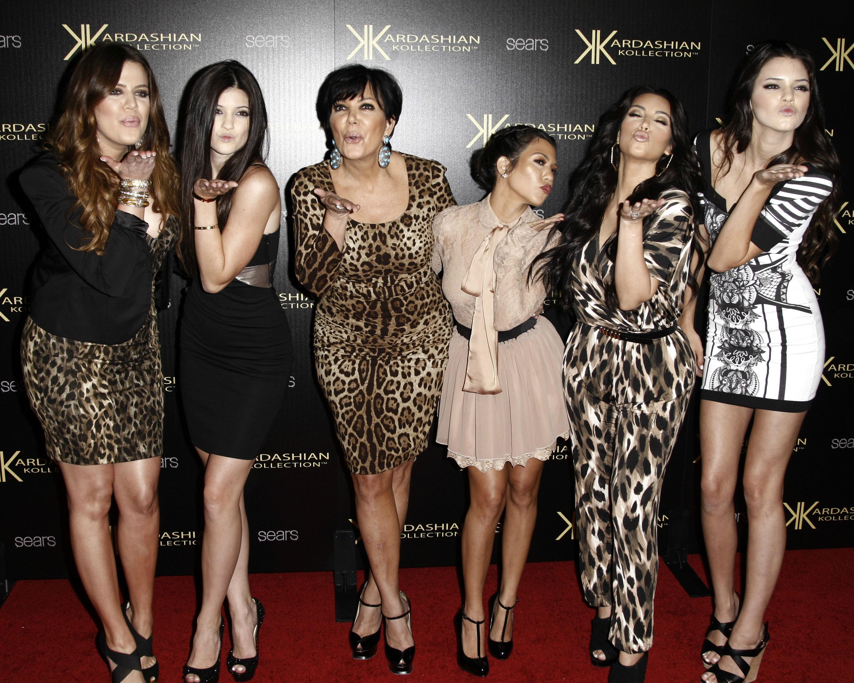 khloe kardashian kylie jenner kris jenner kourtney kardashian kim kardasian kendall jenner